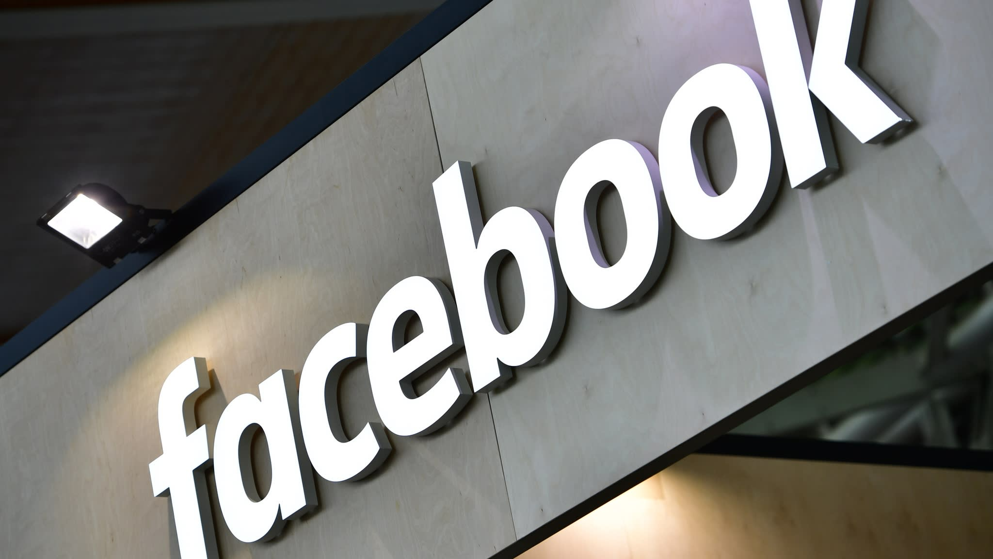 Facebook tumbles after disappointing results