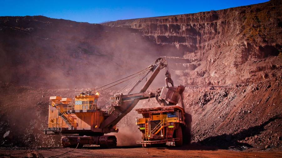Anglo American turnround plan fails to impress investors   Financial