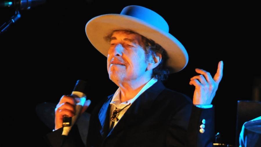 Bob Dylan At The London Palladium Irony And Seriousness