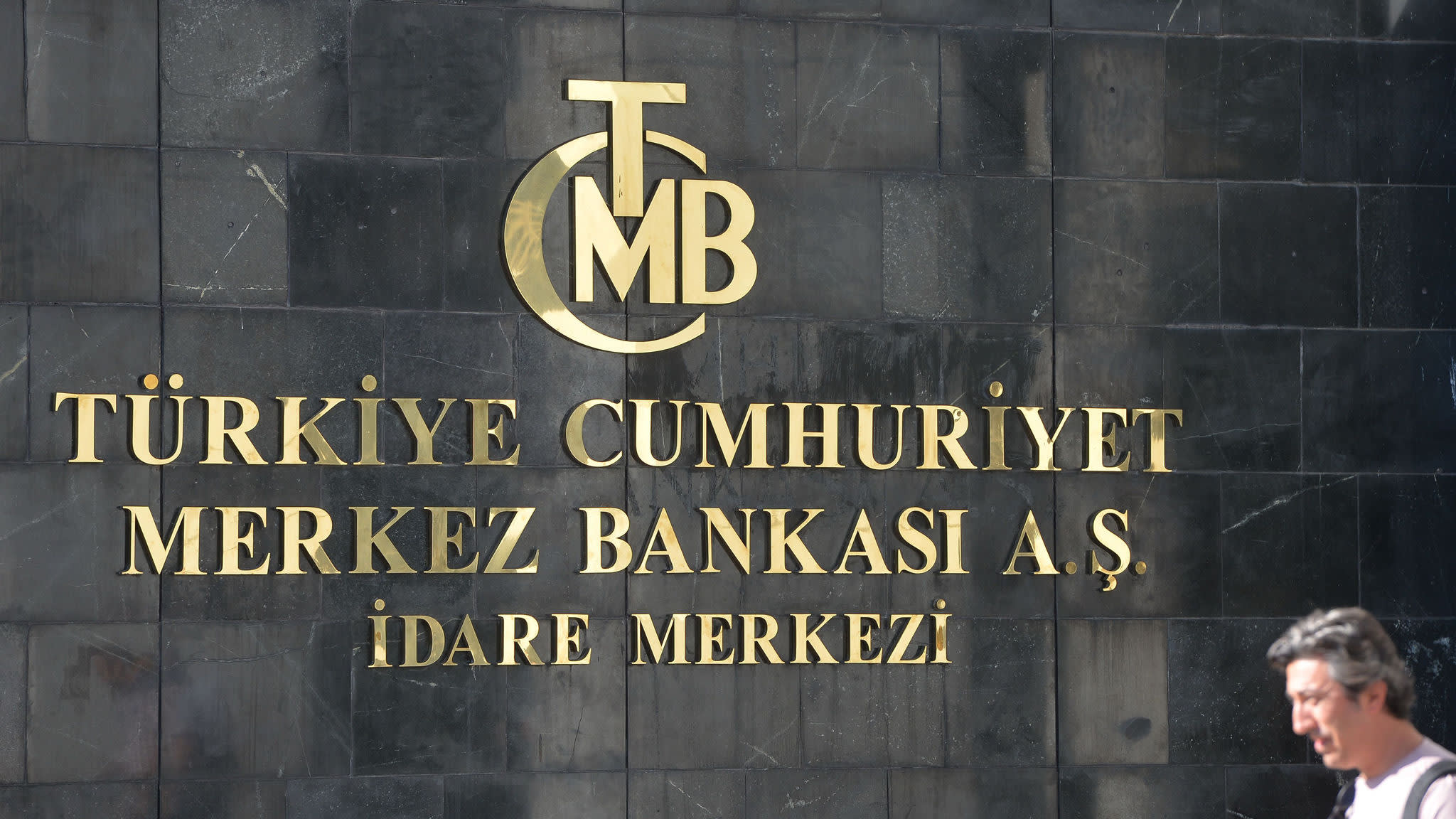 Turkish central bank hikes rates to 24% in bid to stem currency crisis
