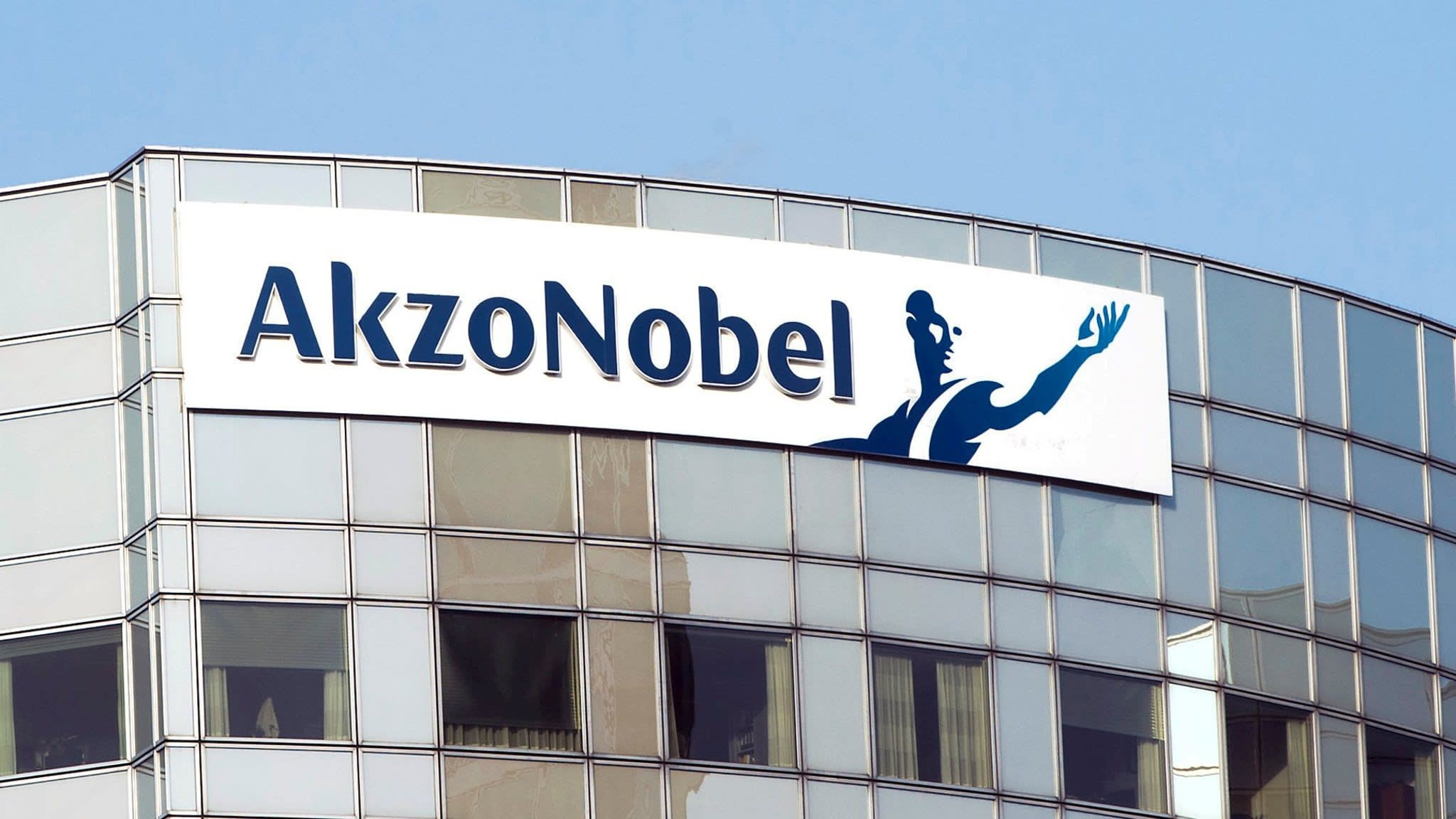 Carlyle wins fight for Akzo Nobel chemicals arm
