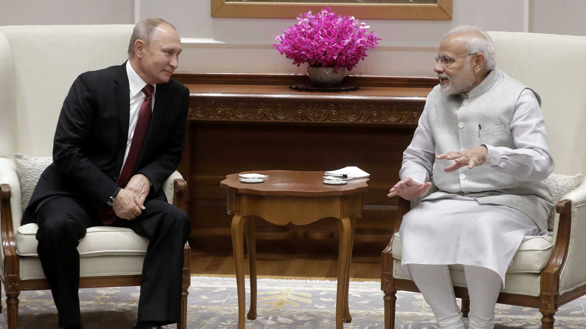 India set to sign $5bn Russian missile deal during Putin visit