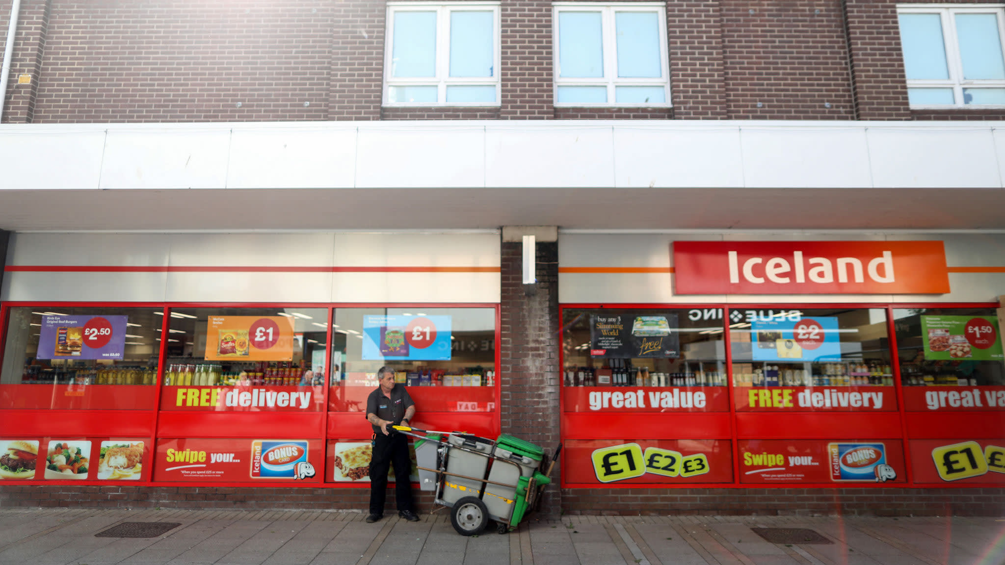 Supermarket sweep: Iceland sales rise 8% | Financial Times