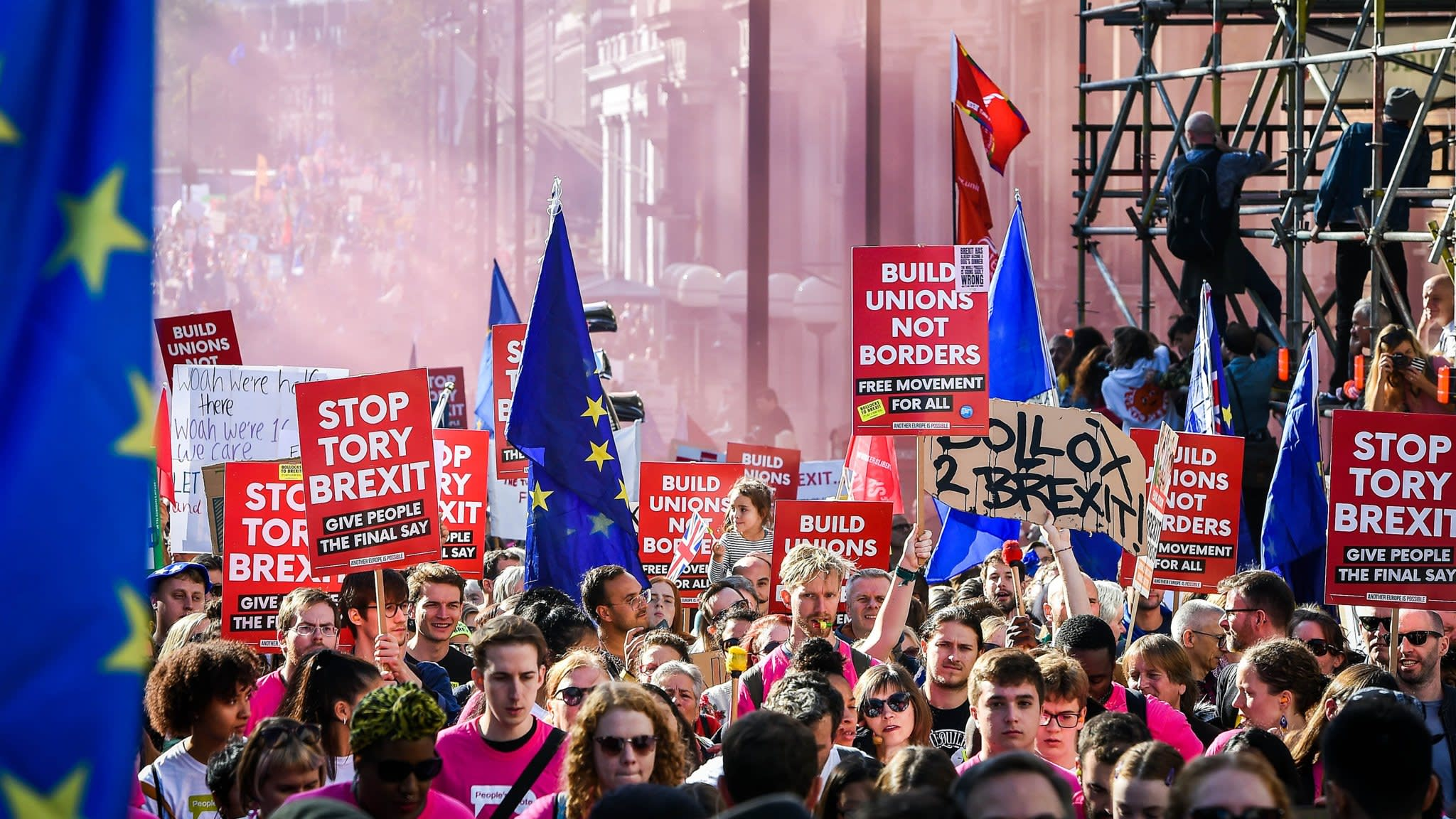 London marchers call for new Brexit vote