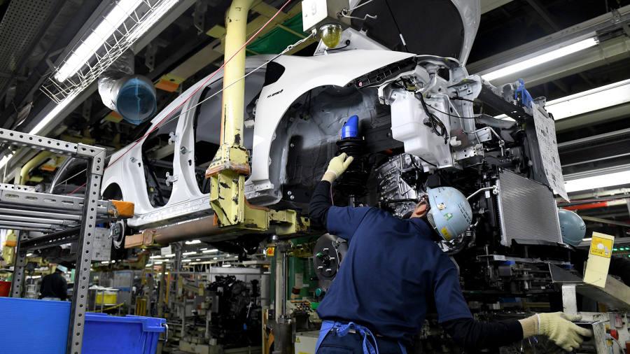 Trump launches probe into car imports