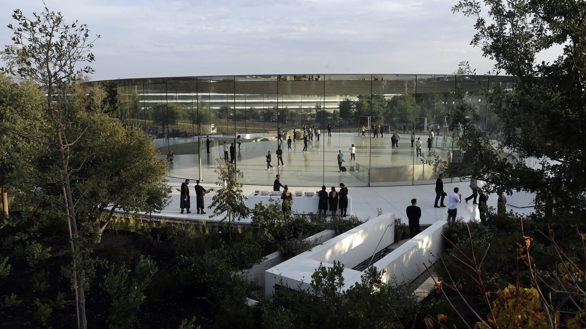 Apple pushes forward with healthcare ambitions