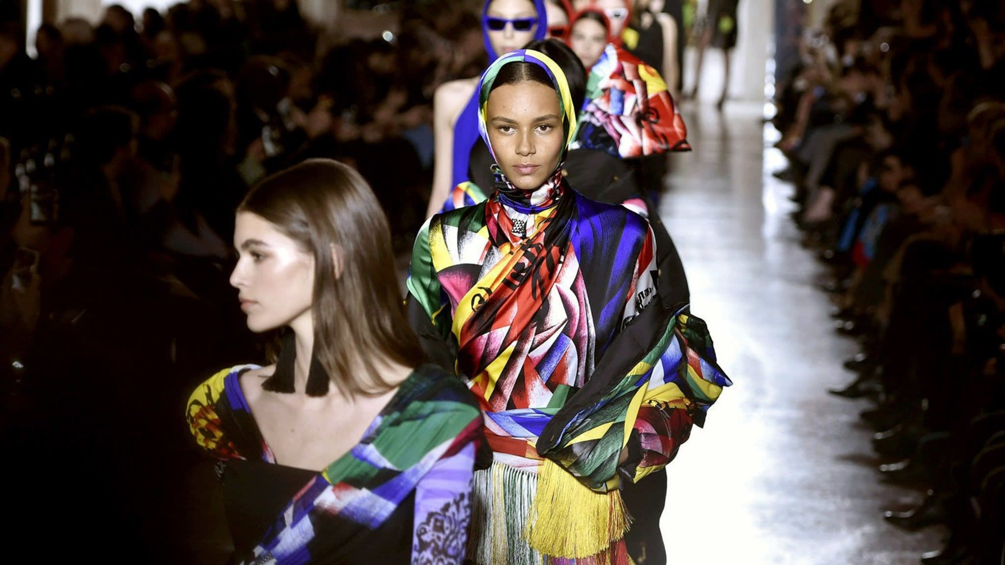Versace AW18 review: headstrong fashions for a political age