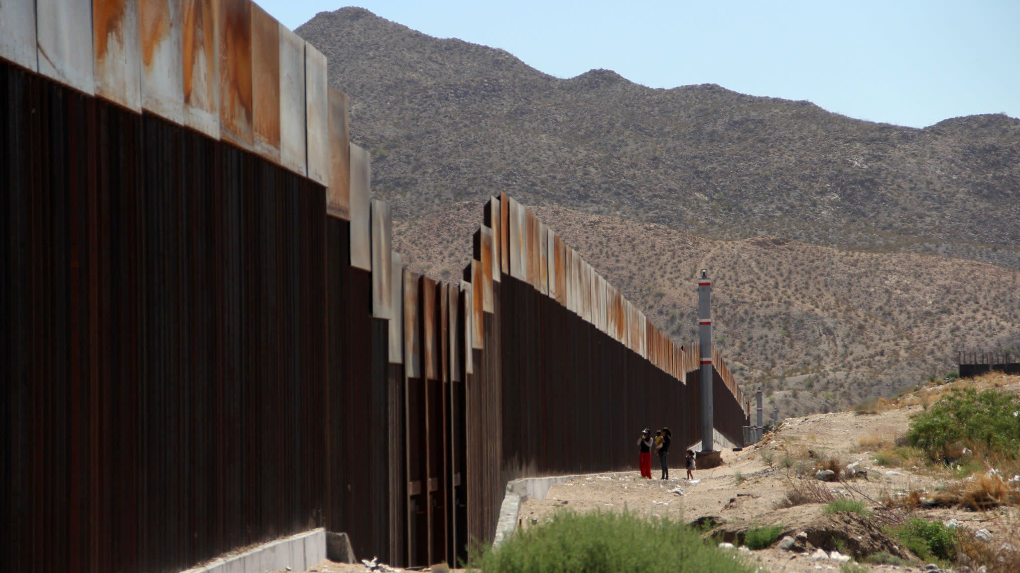 Battle lines are drawn over legal immigration in US