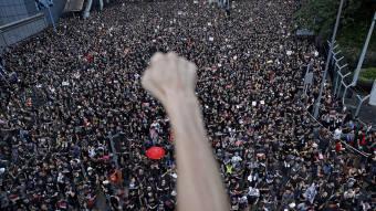 Trump praises China's Xi over handling of Hong Kong protests