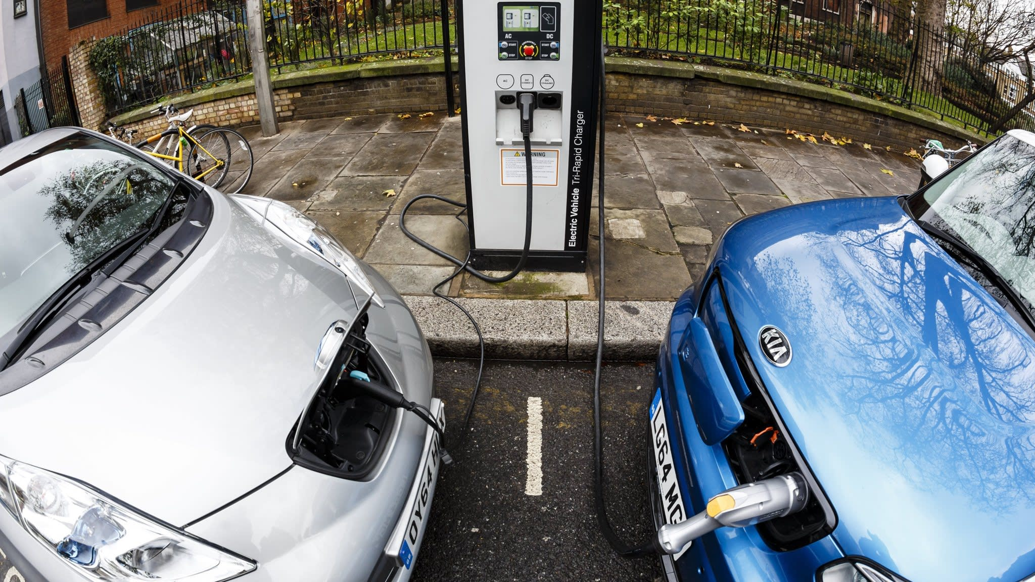 Electric cars pave way to end of filling stations