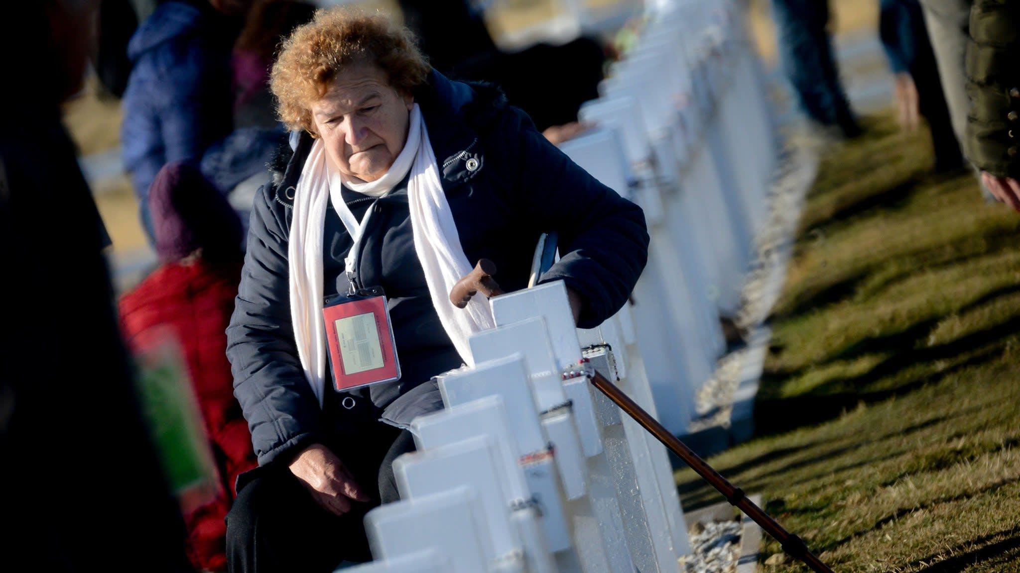 Argentines visit graves of Falklands war dead for first time