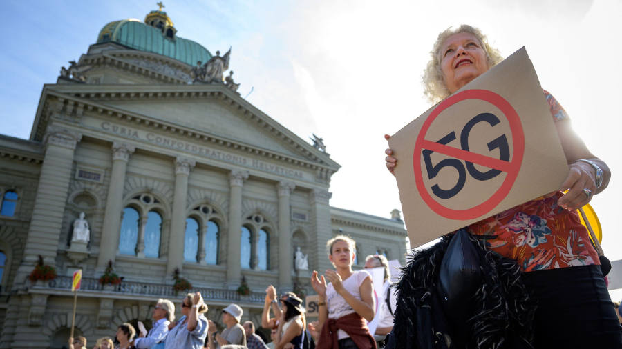 Switzerland halts rollout of 5G over health concerns
