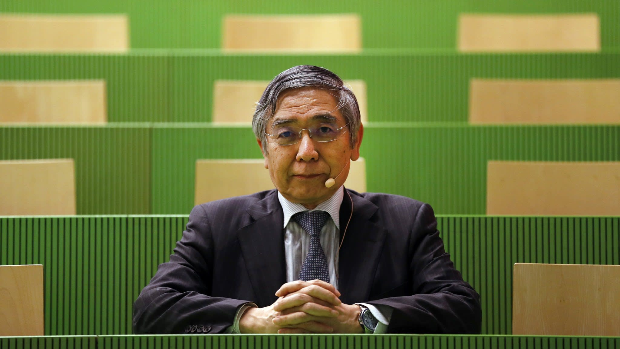 BoJ keeps rates on hold but introduces more policy flexibility