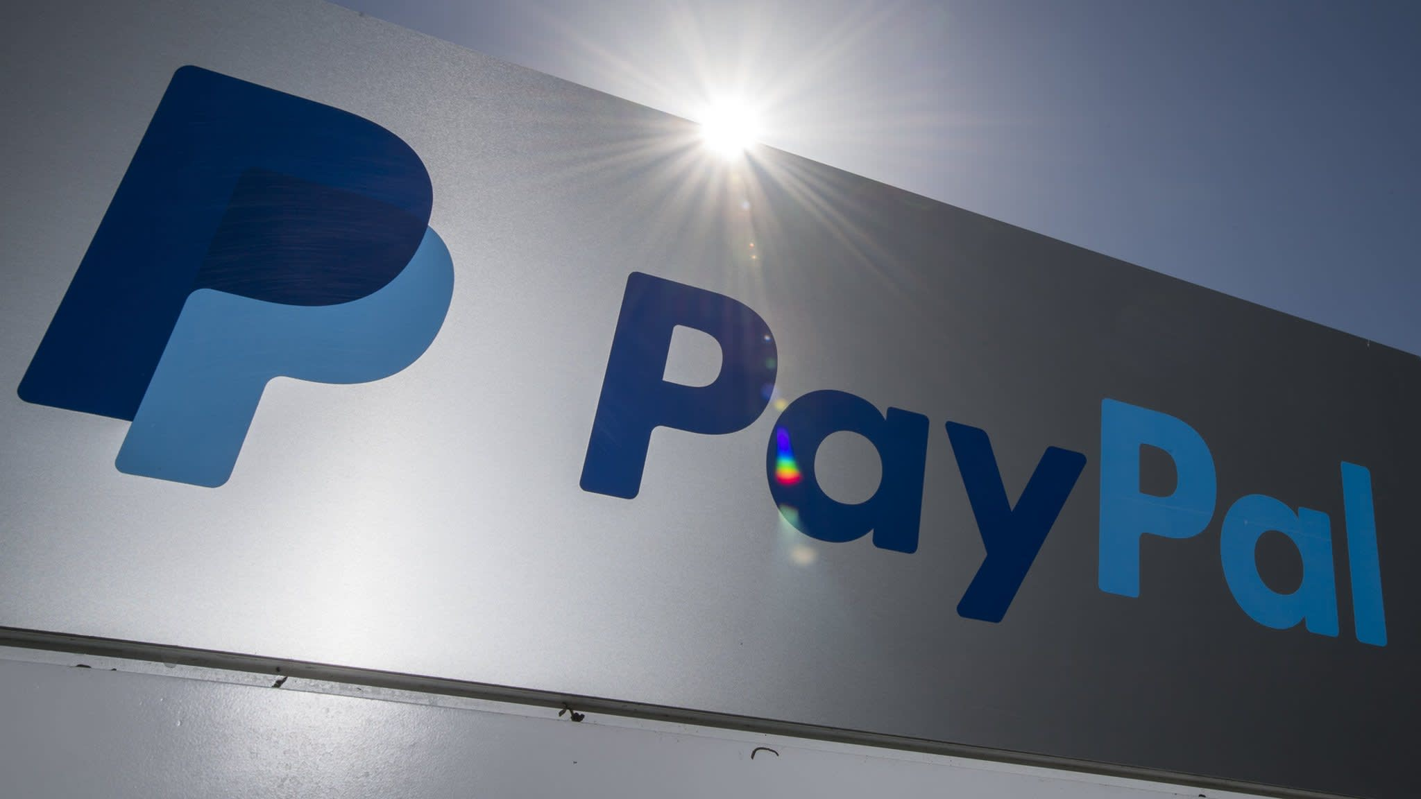 PayPal shuts Russian crowdfunder's account after alt-right influx