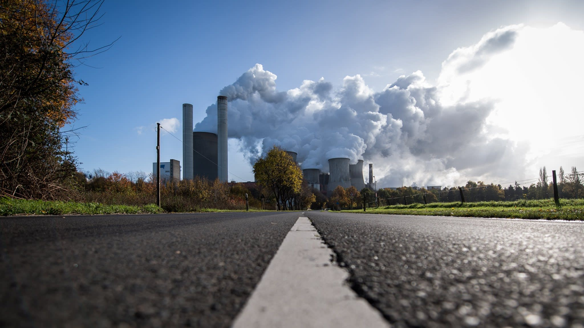 ExxonMobil gives $1m to campaign for a carbon tax