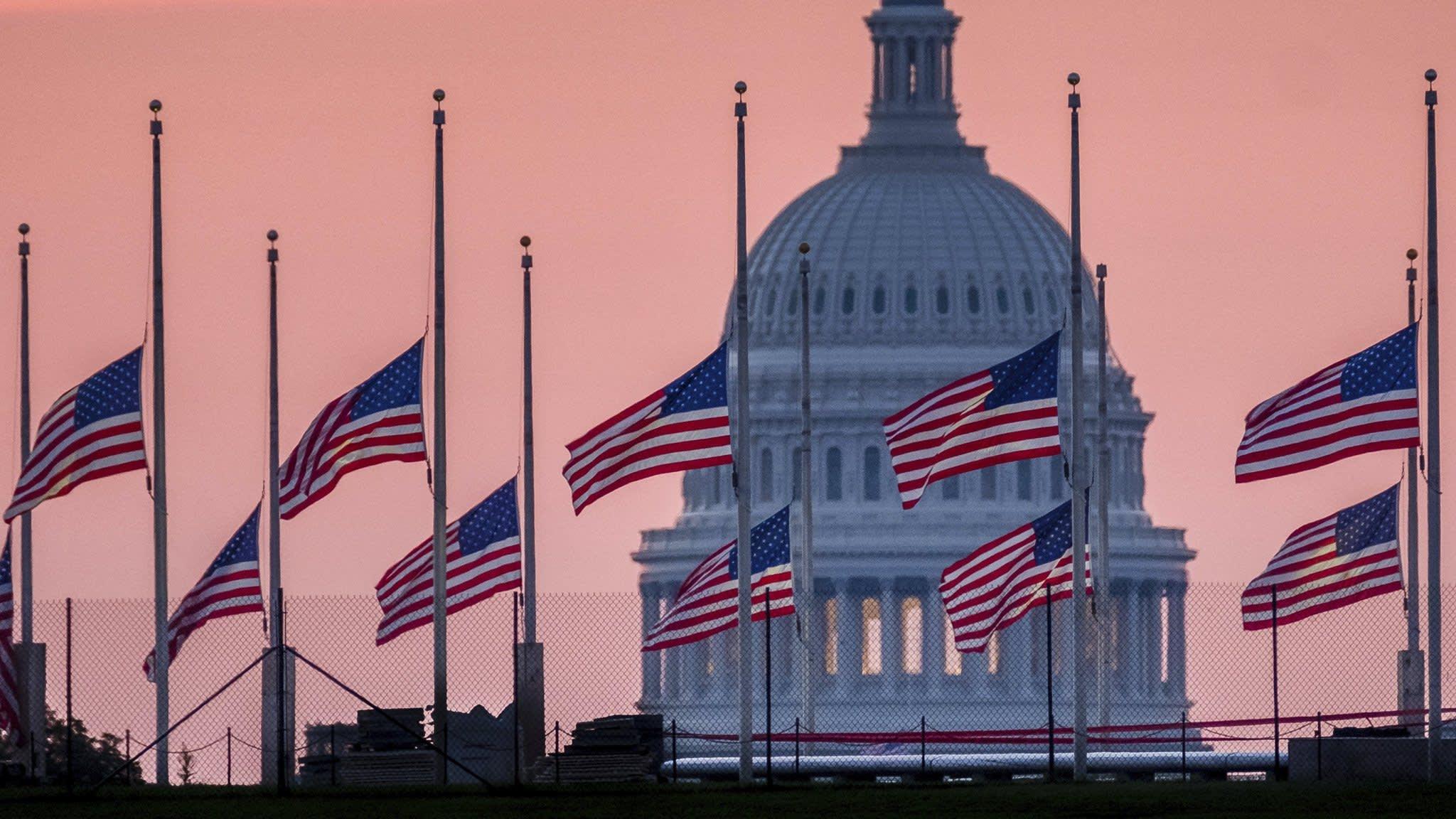 Leaders from across politics mourn John McCain