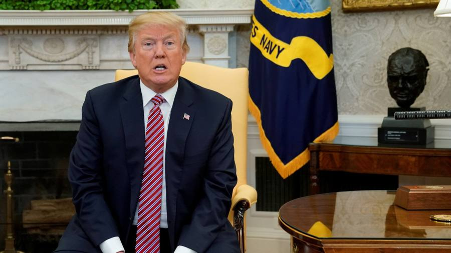 Trump unleashes tweet barrage over Russia probe memo