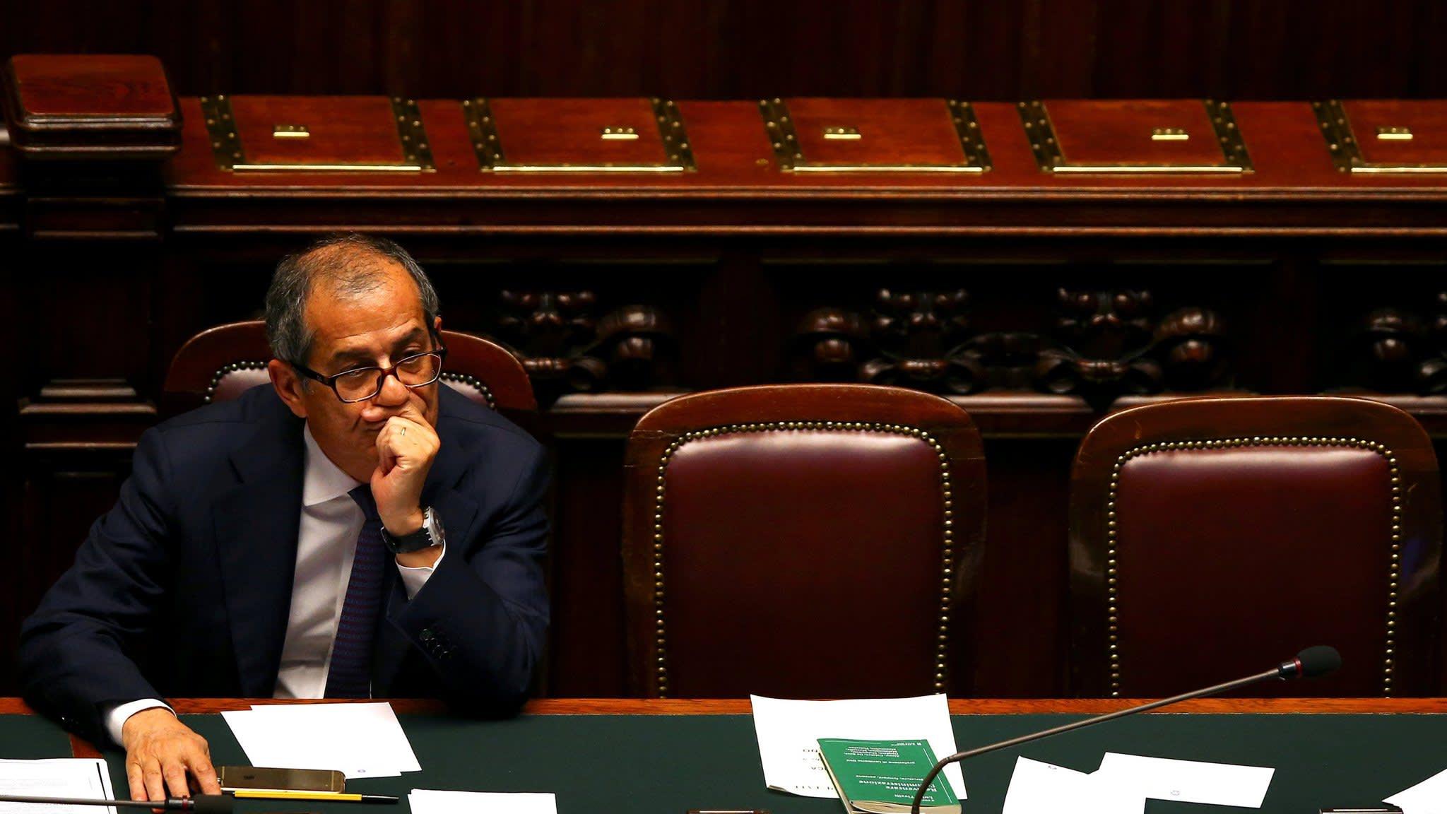 Italian bonds under pressure amid budget confusion