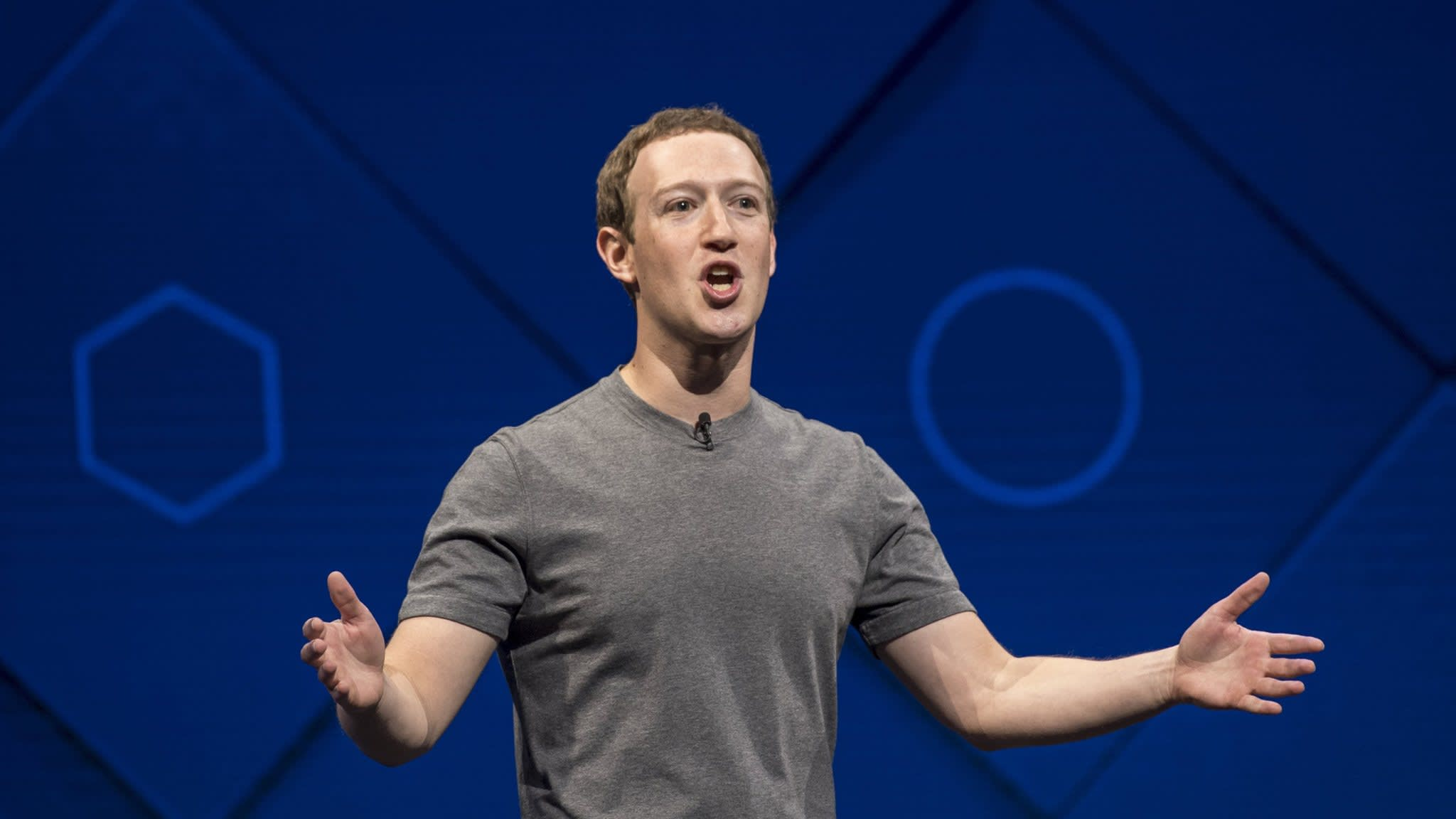 Zuckerberg should quit as chairman, investor says