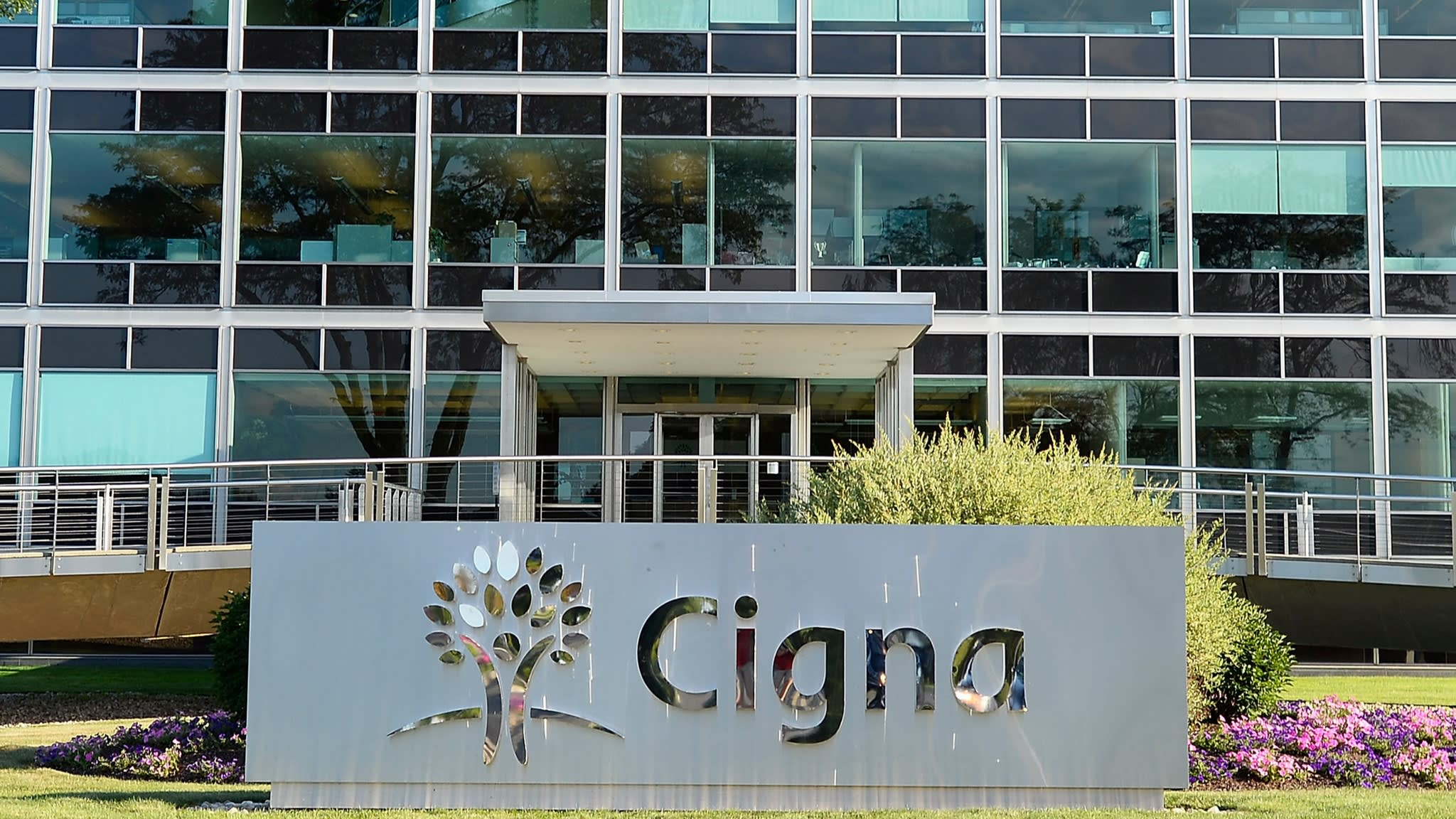 Health insurer Cigna to buy Express Scripts in $67bn deal