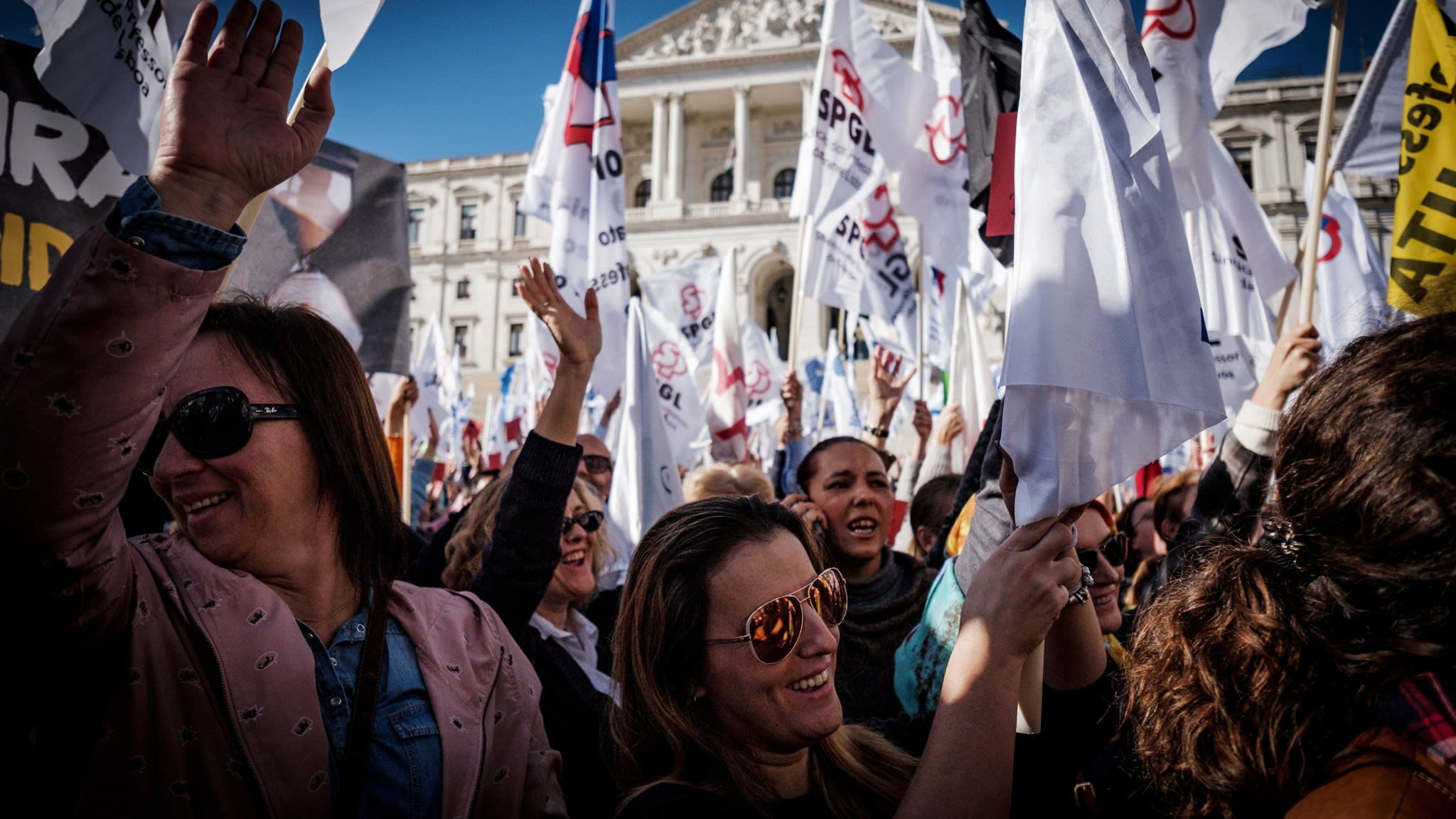 Portugal confronts limits of anti-austerity drive