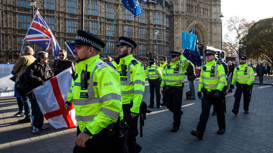 Police told to 'deal robustly' with harassment near UK parliament |  Financial Times