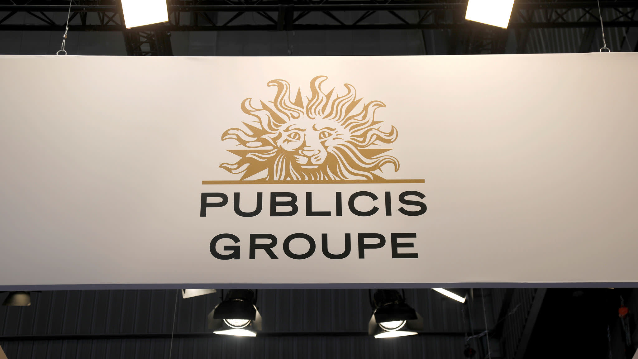 Maurice Lévy tries to pick up Publicis after failed deal