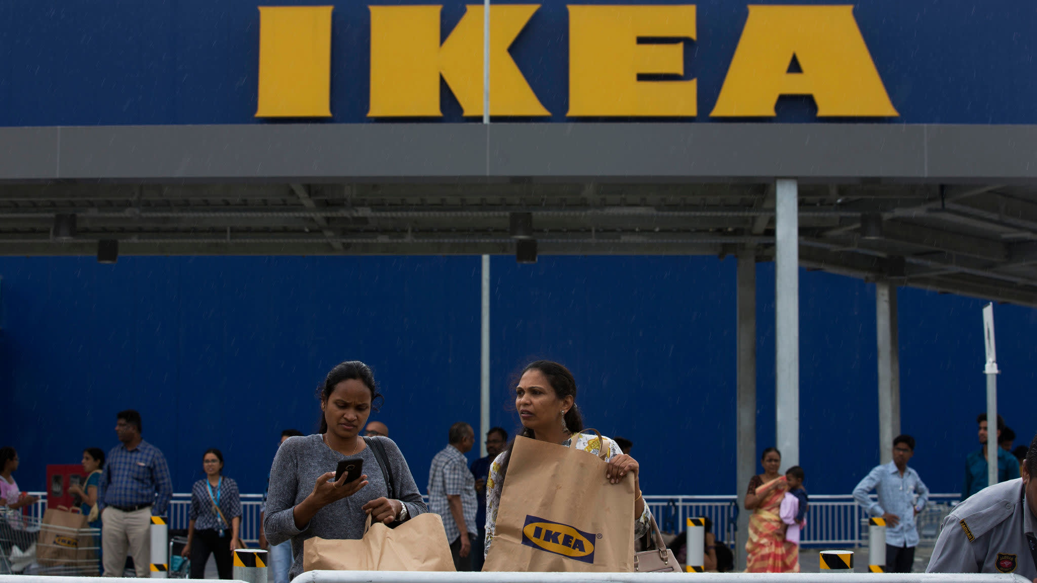 Ikea to cut thousands of jobs as it plans redesign
