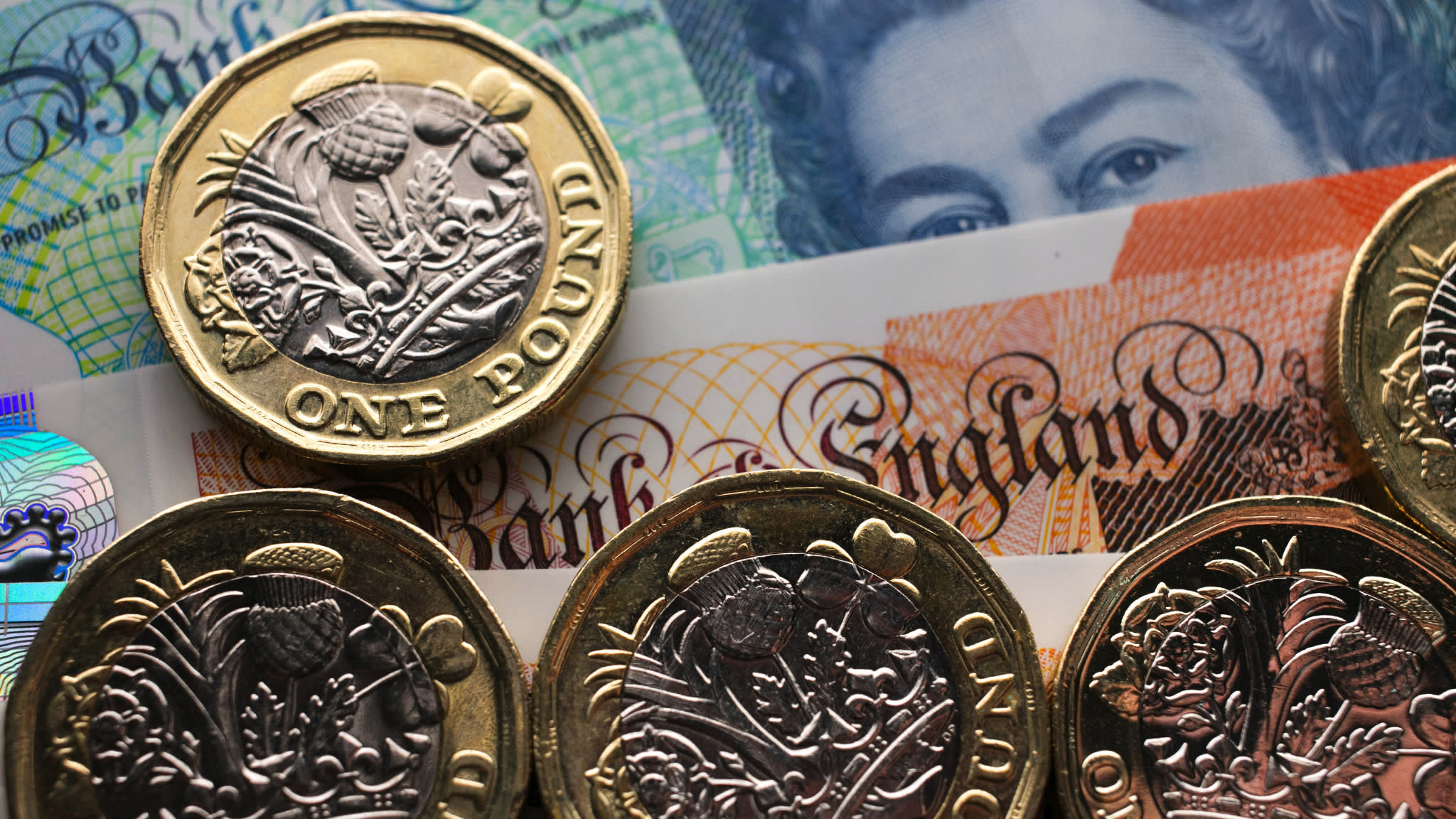Britons still sitting on £169m old £1 coins | Financial Times