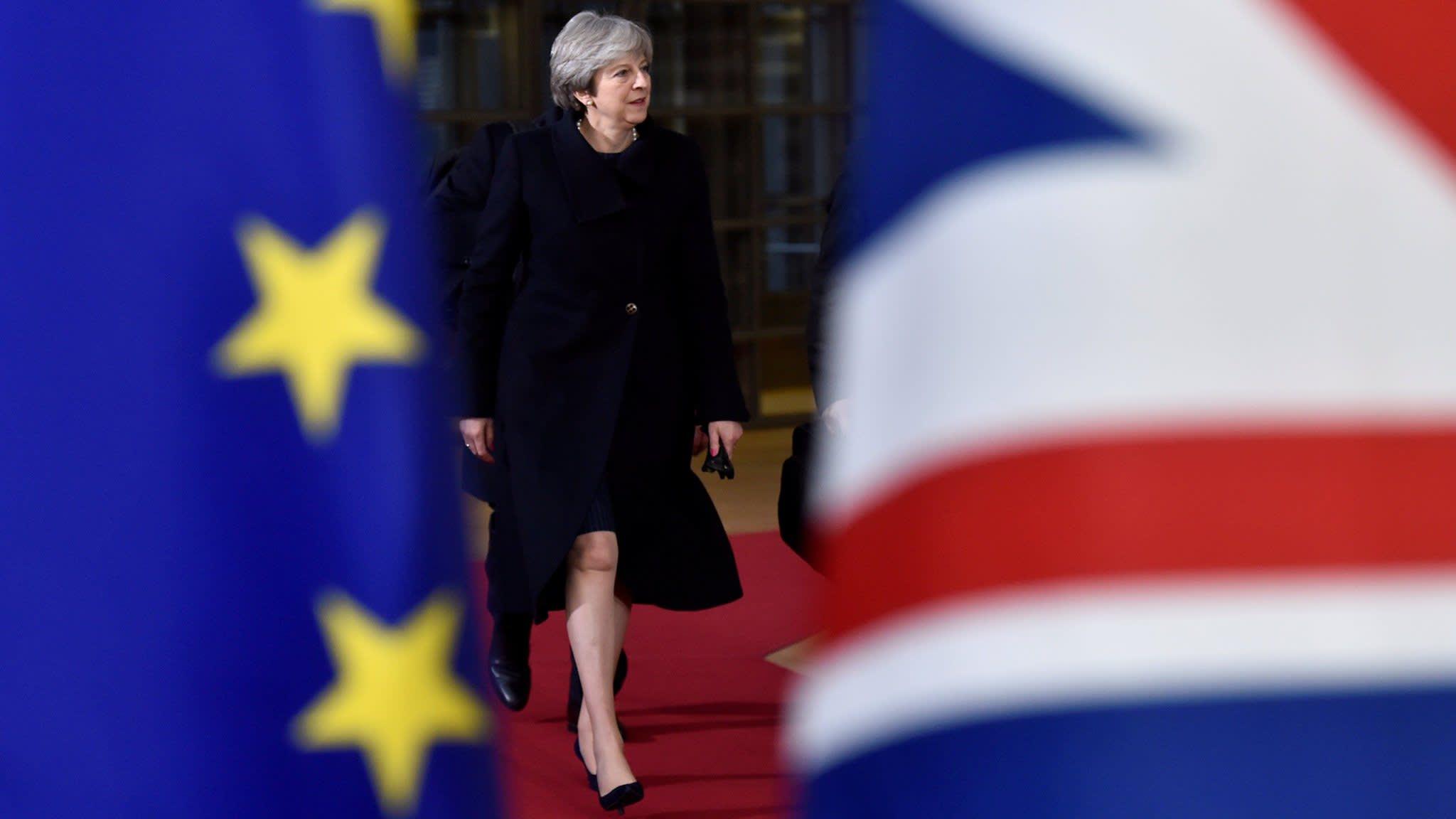 Brussels gives UK 24-hour Brexit deadline