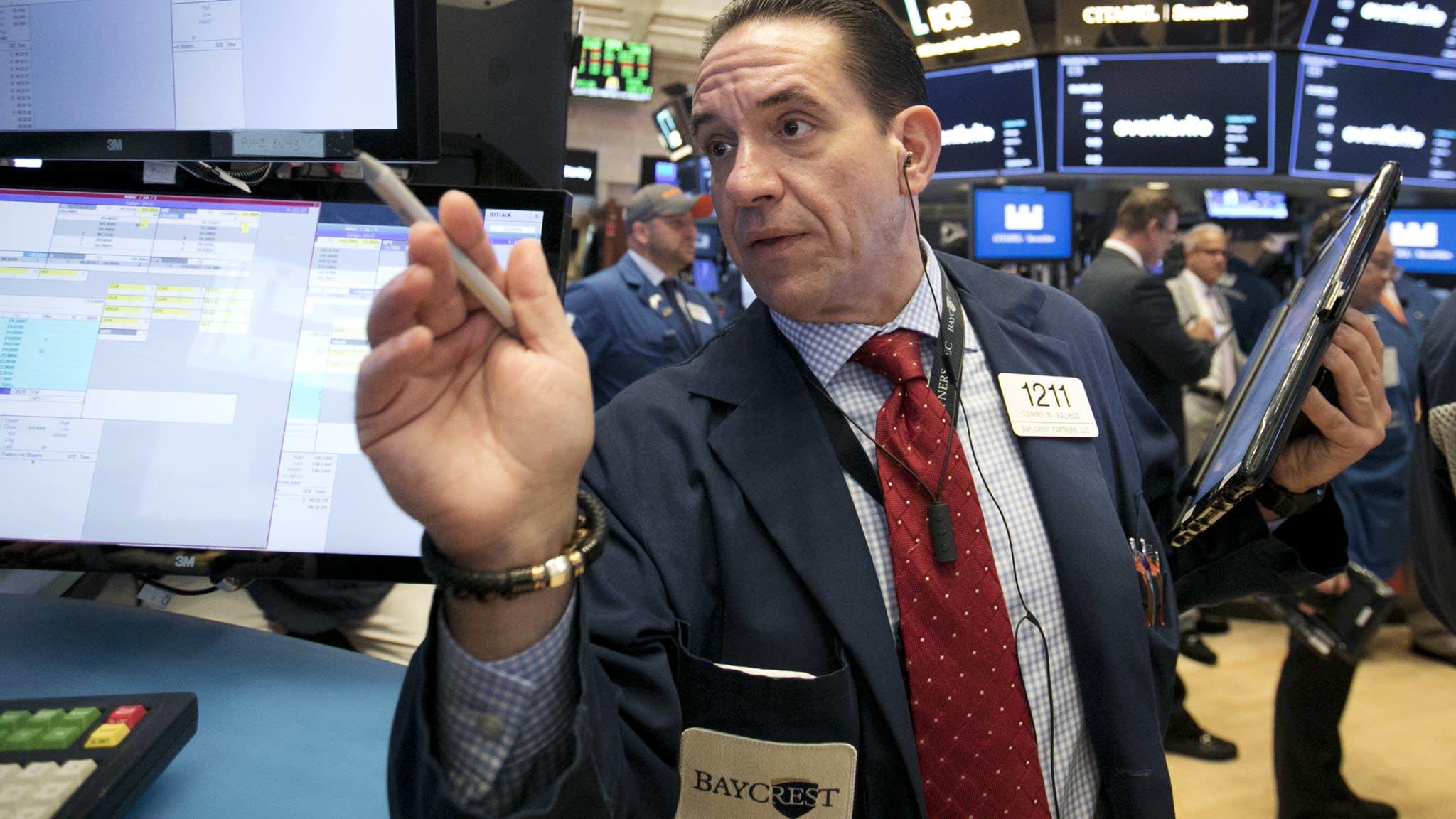 Tech sell-off leads Wall Street sharply lower