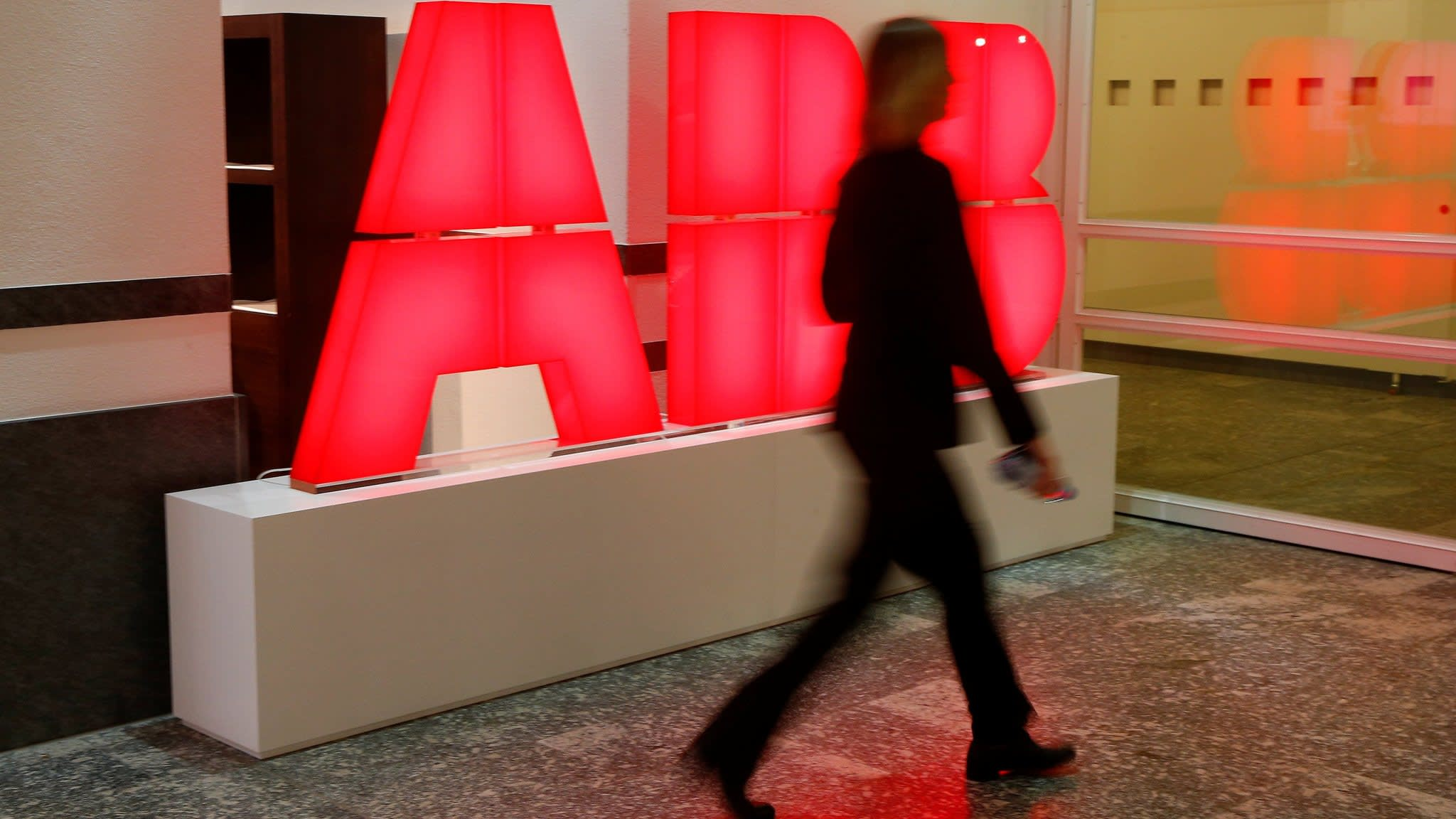 Hitachi in talks to buy ABB's power grids business