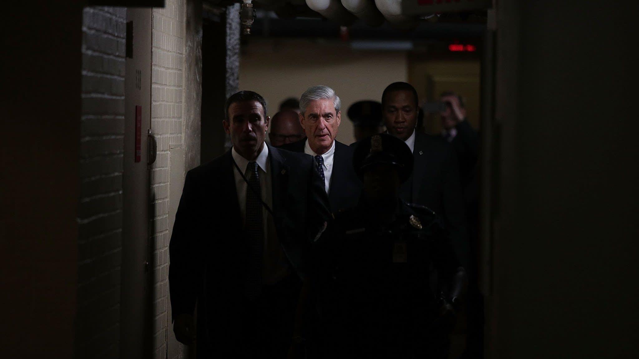 Robert Mueller's Russia investigation loses two prosecutors
