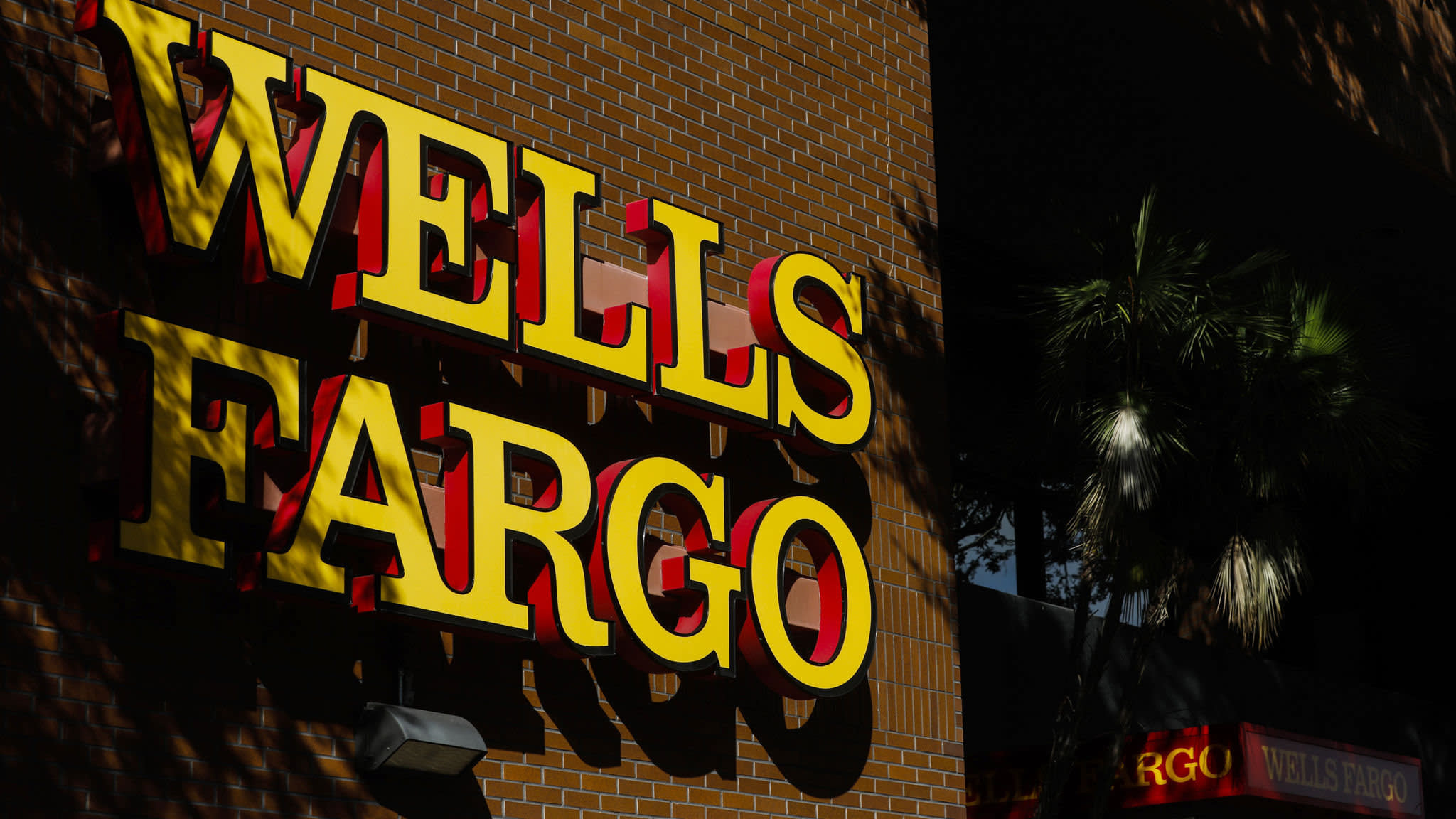 Growth remains scarce at Wells Fargo