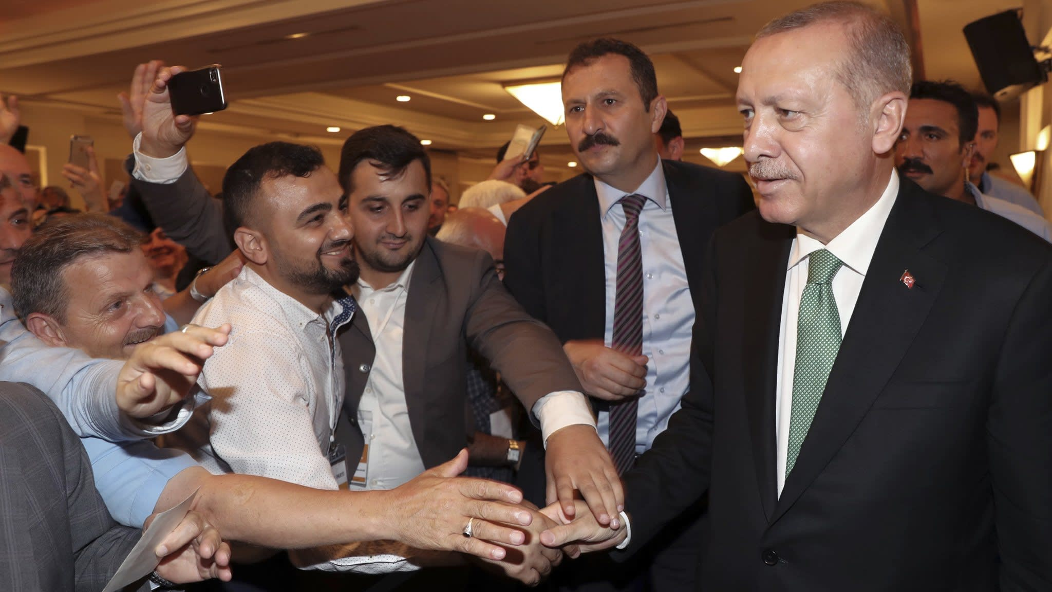 Turkey looks to 'new alliances' for way out of crisis