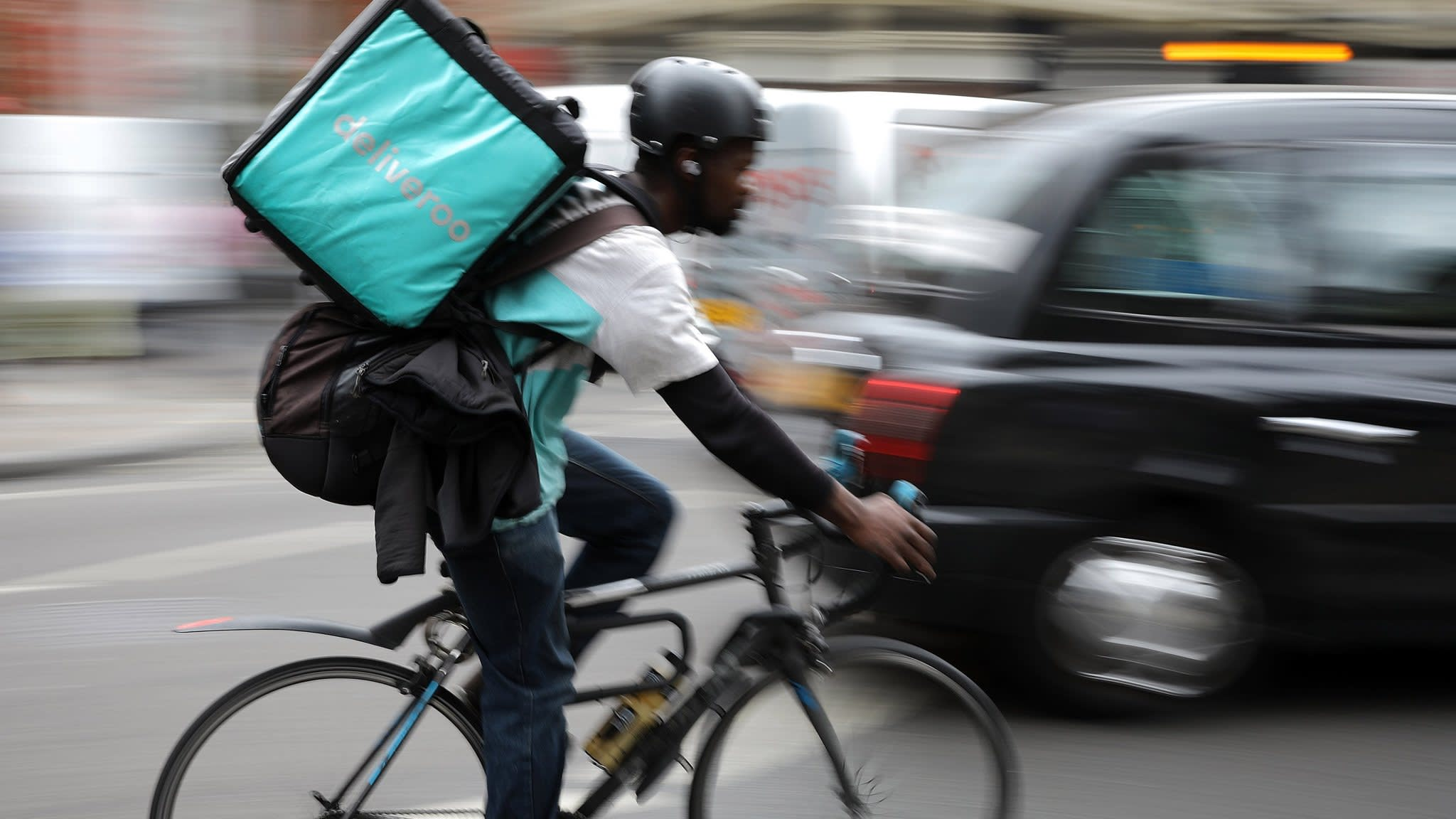 Uber in early talks to acquire food delivery rival Deliveroo