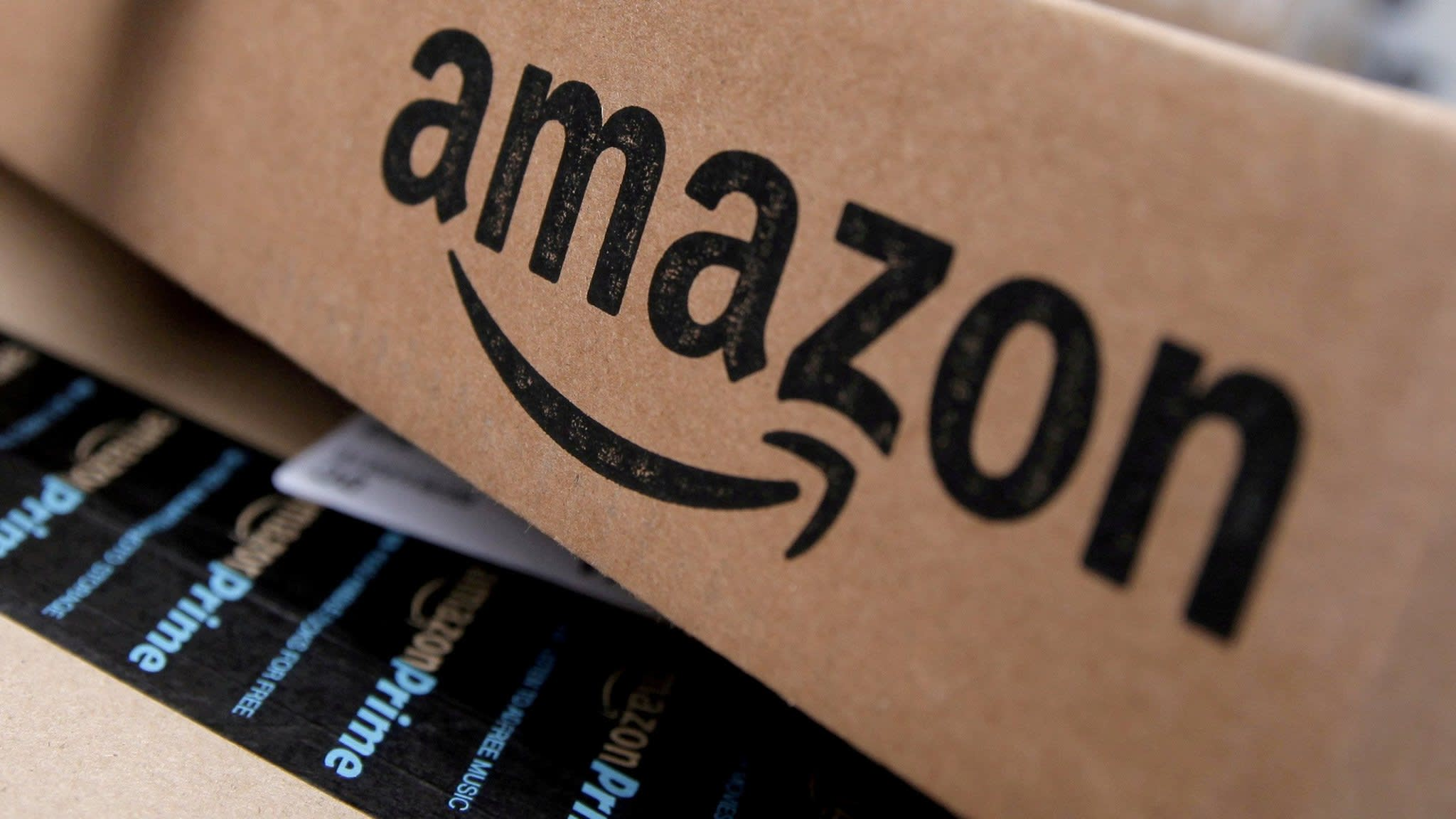 Amazon investigates claims over bribes to employees