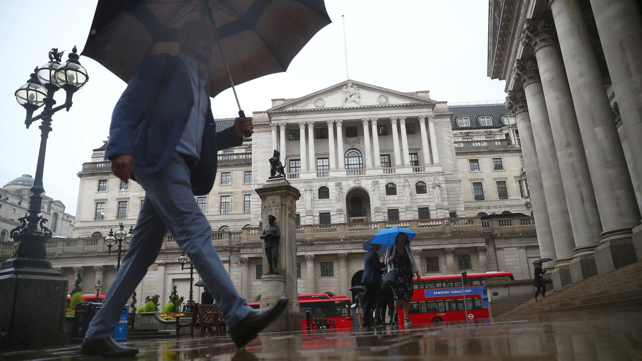 Bank of England keeps interest rates unchanged as expected