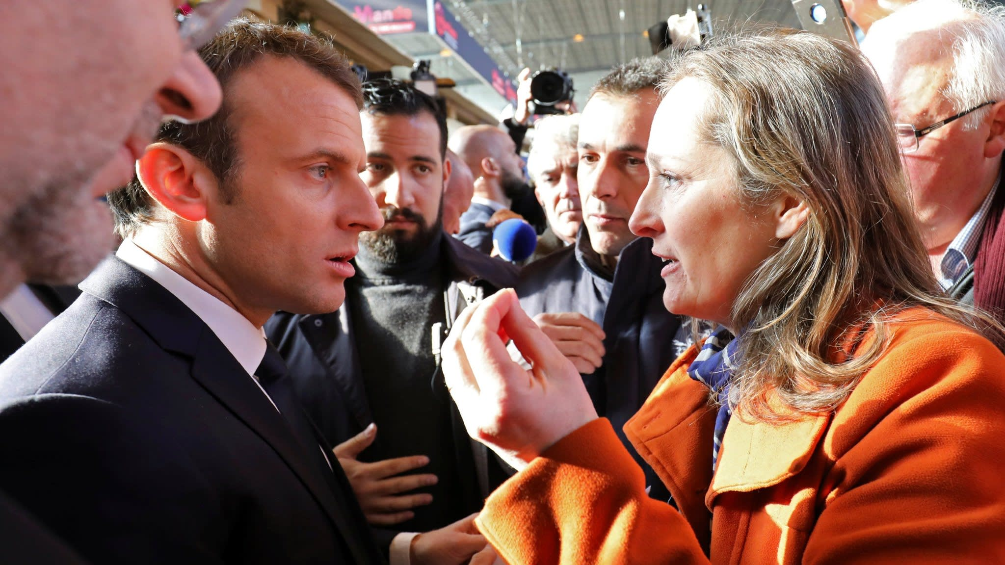 Farmers give Macron hostile welcome at Paris fair