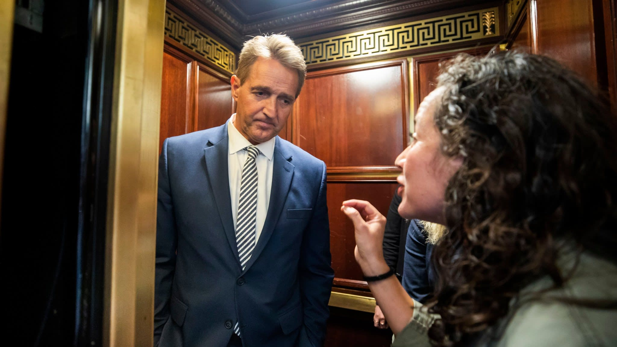 Senate committee backs Kavanaugh for Supreme Court
