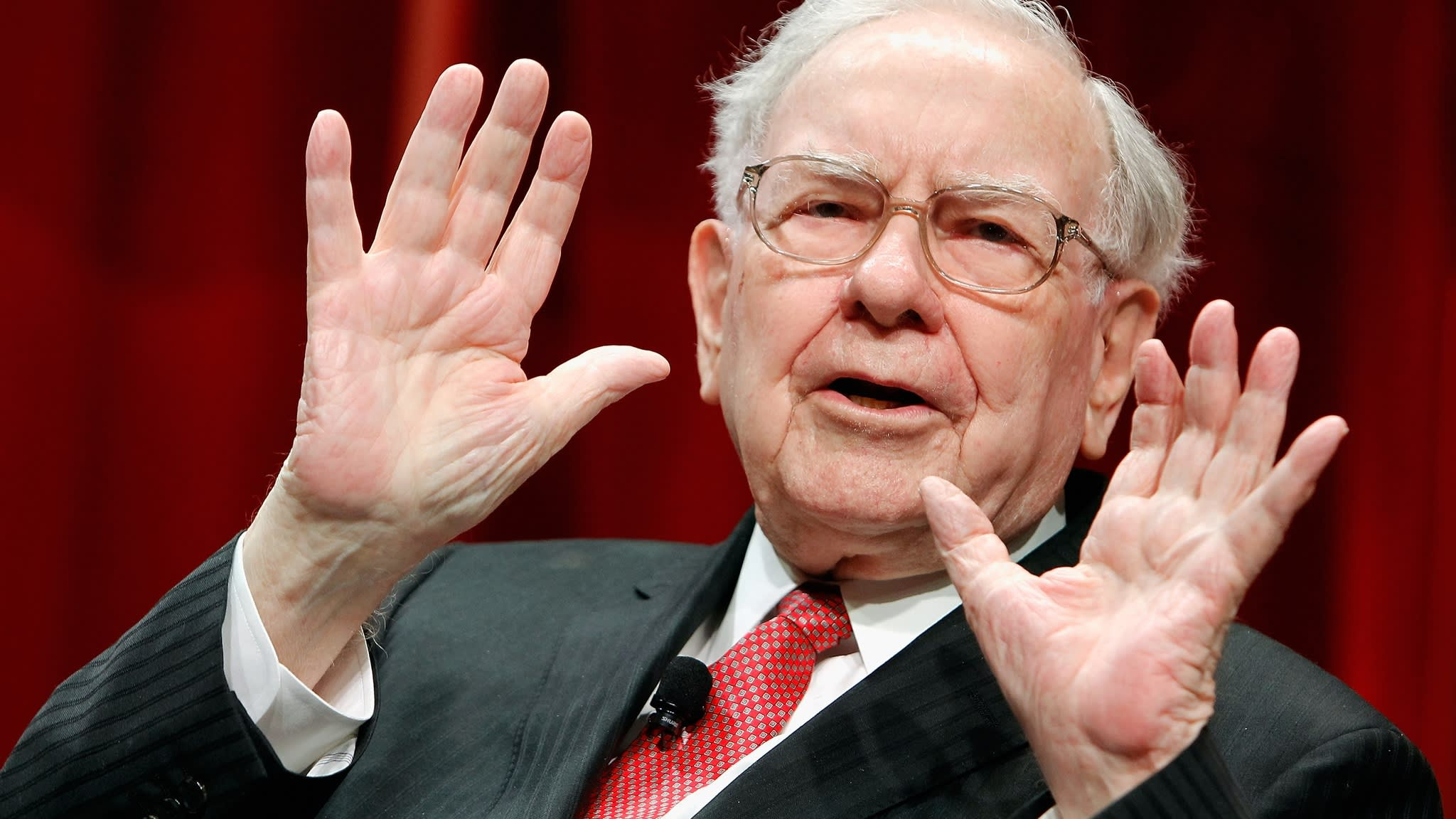 Warren Buffett eyes $300m stake in Indian payments group Paytm
