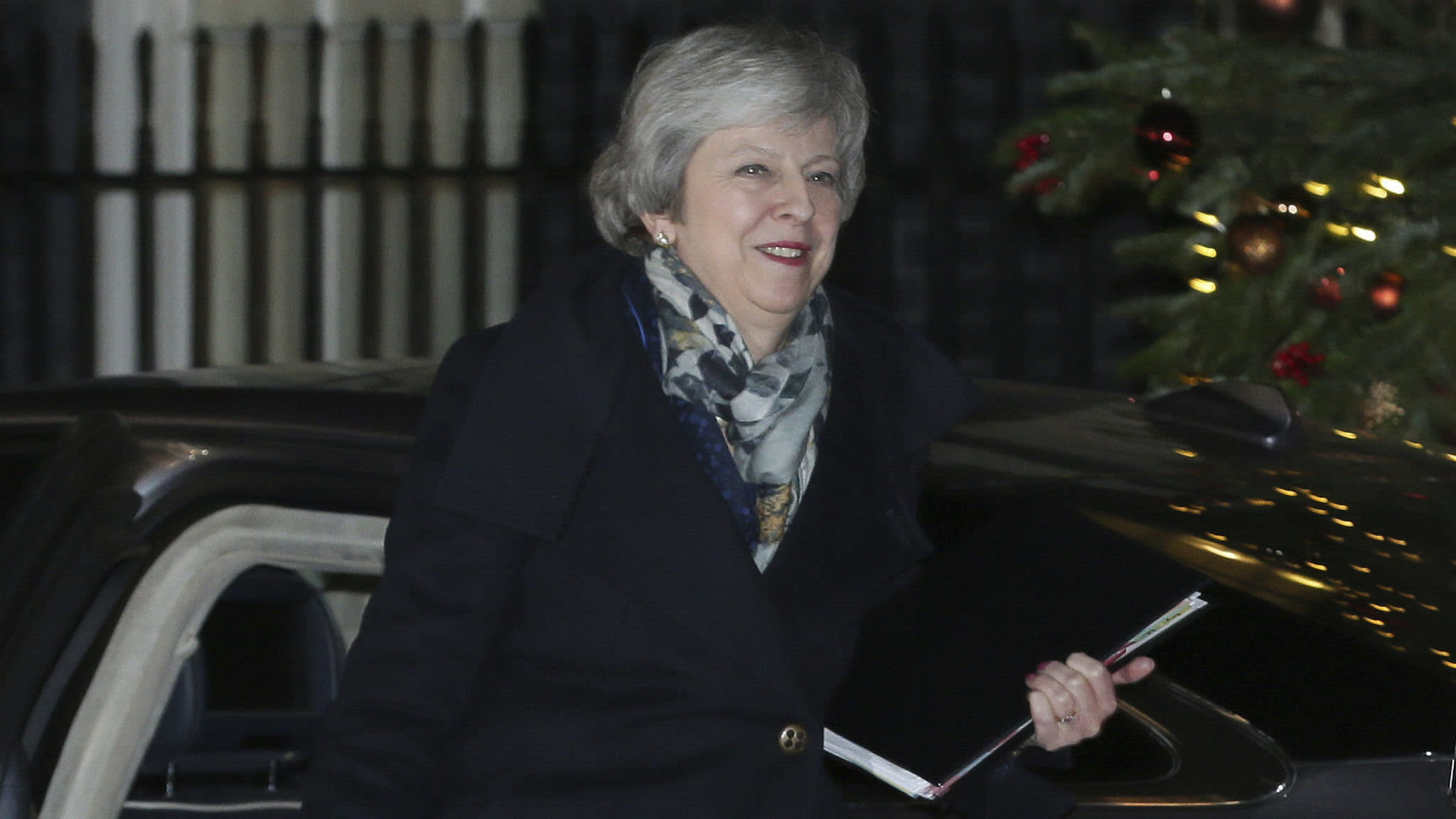 Theresa May wins vote of confidence