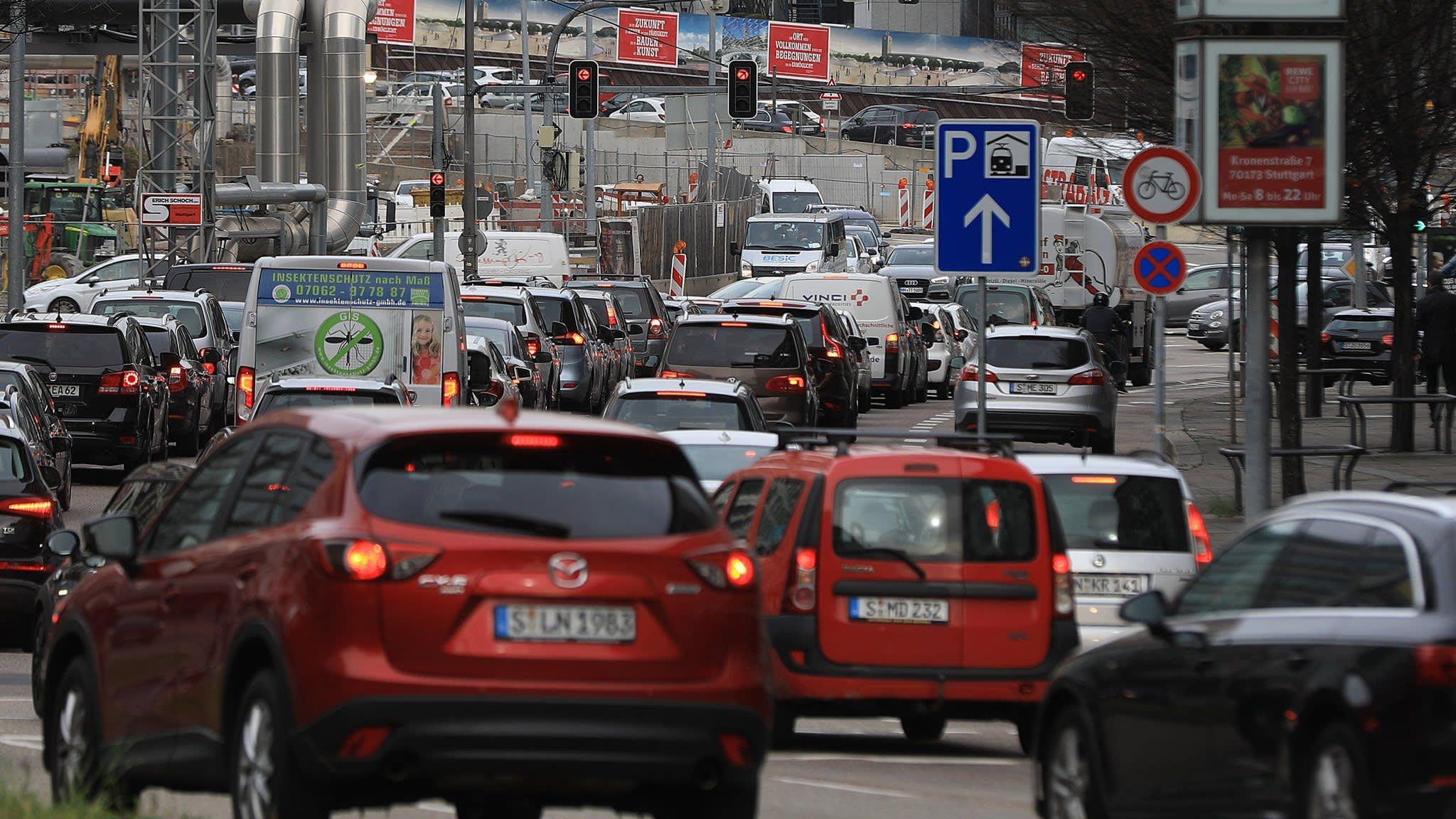 Merkel's coalition agrees measures to help diesel drivers