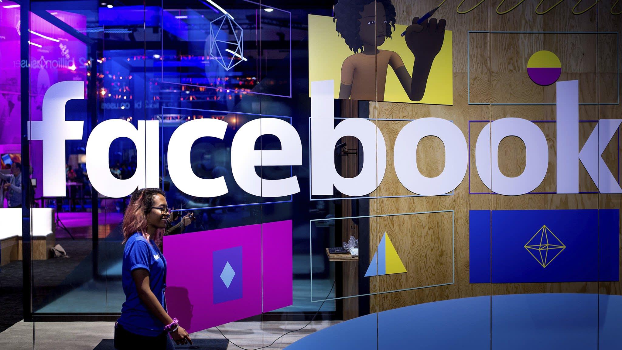 Facebook bans political data company Cambridge Analytica