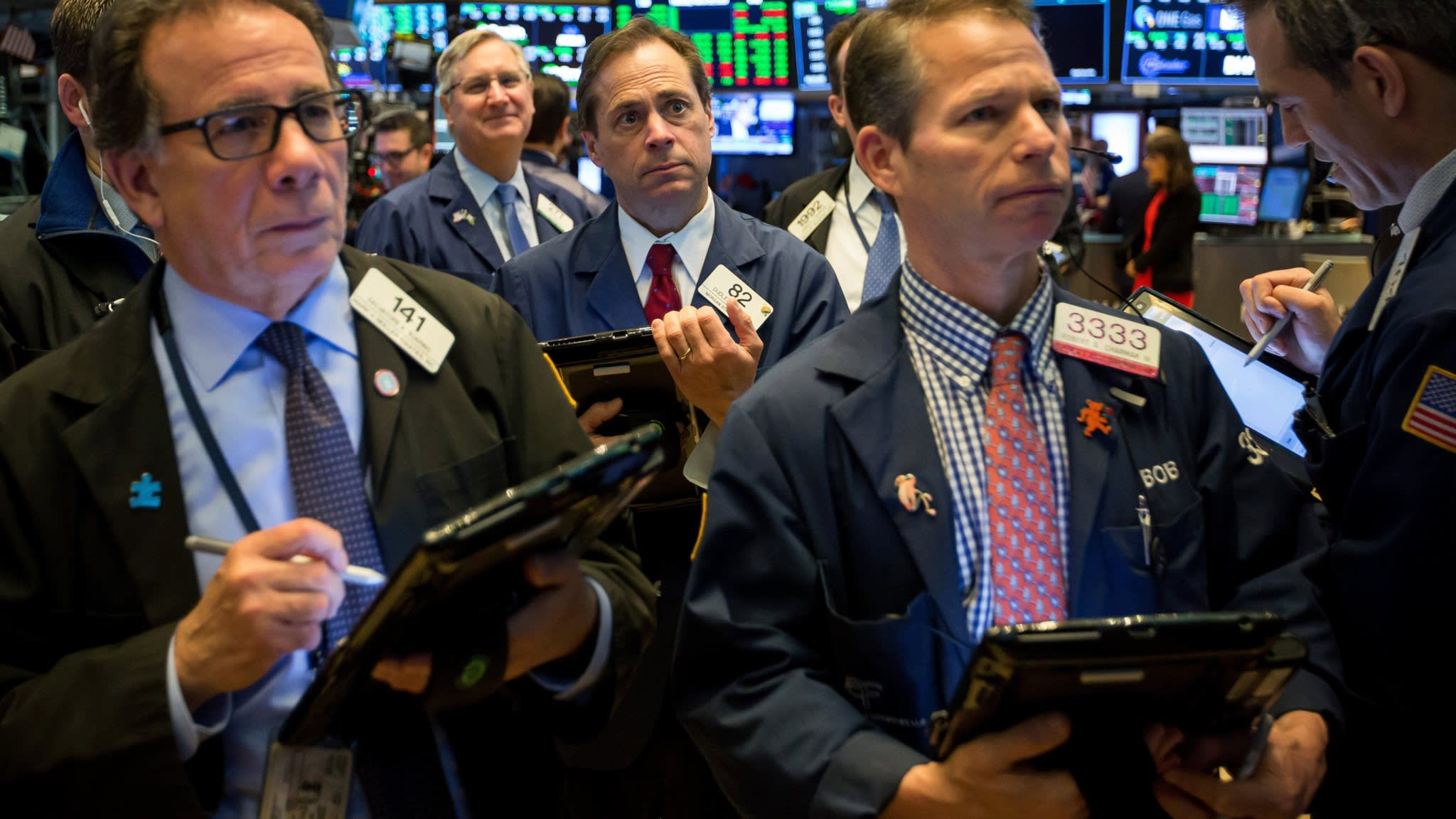 Tech rout drags US stocks into correction territory