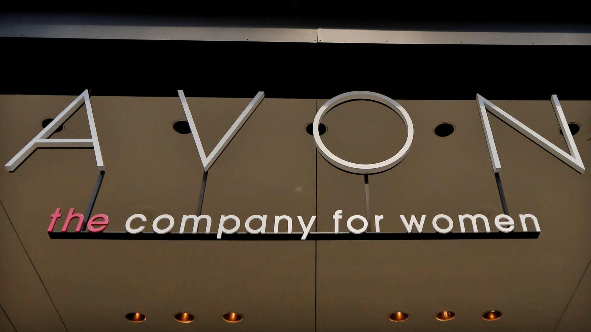 Cosmetics group Avon cuts 2,300 jobs   Financial Times