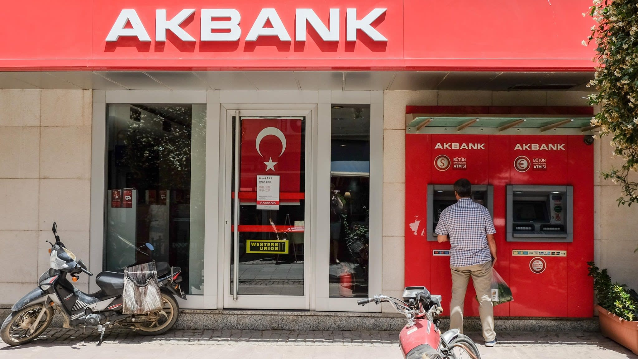 Turkey's inflation rate soars to almost 25%