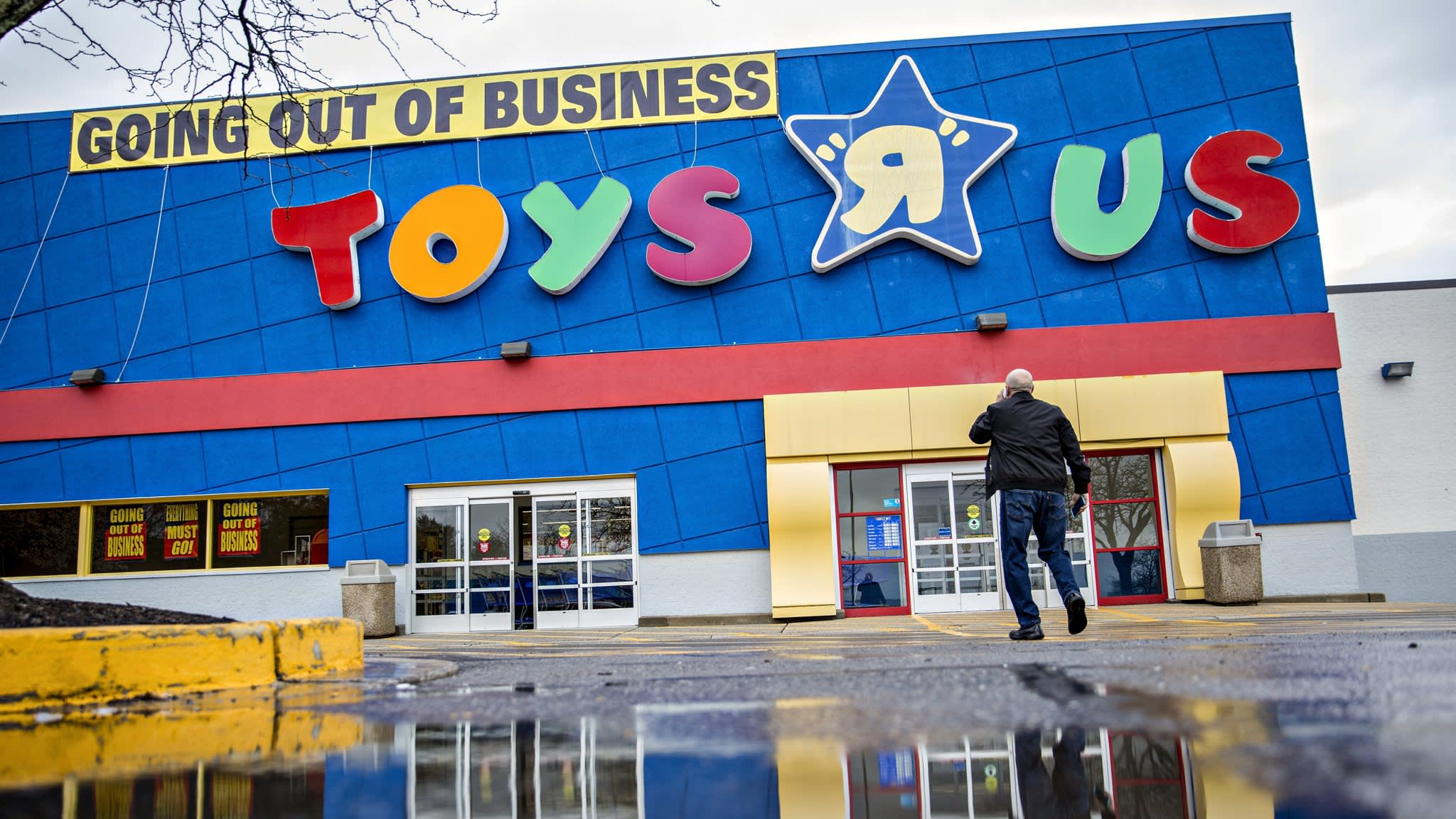 Toys R Us workers press investors for hardship fund