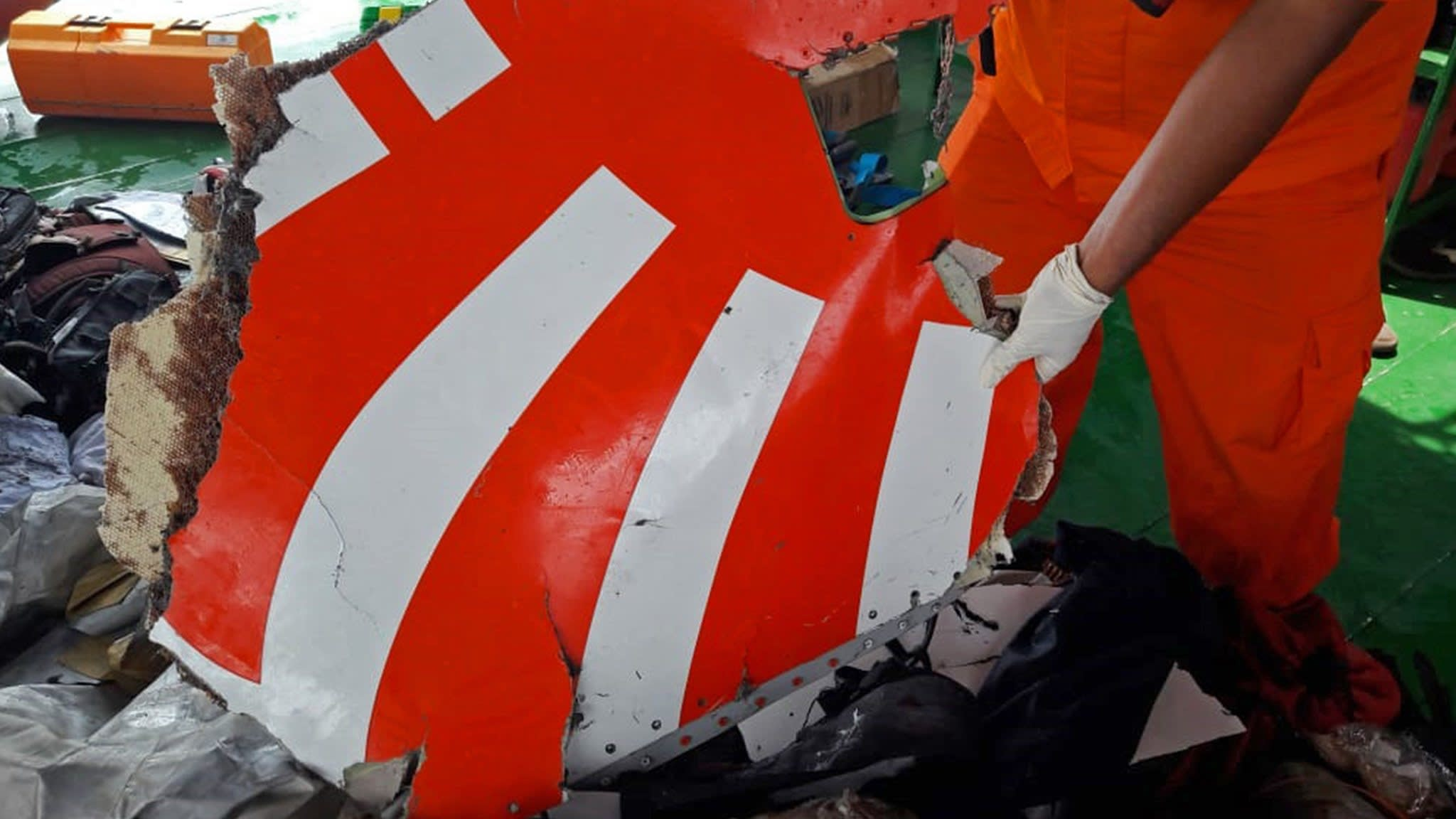 US regulator set to warn new Boeing 737 may have faulty software
