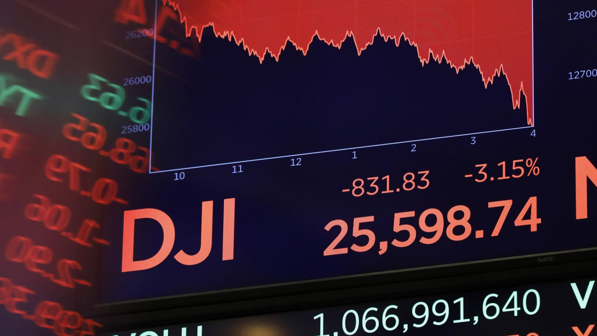 Asian shares tumble as global sell-off spreads